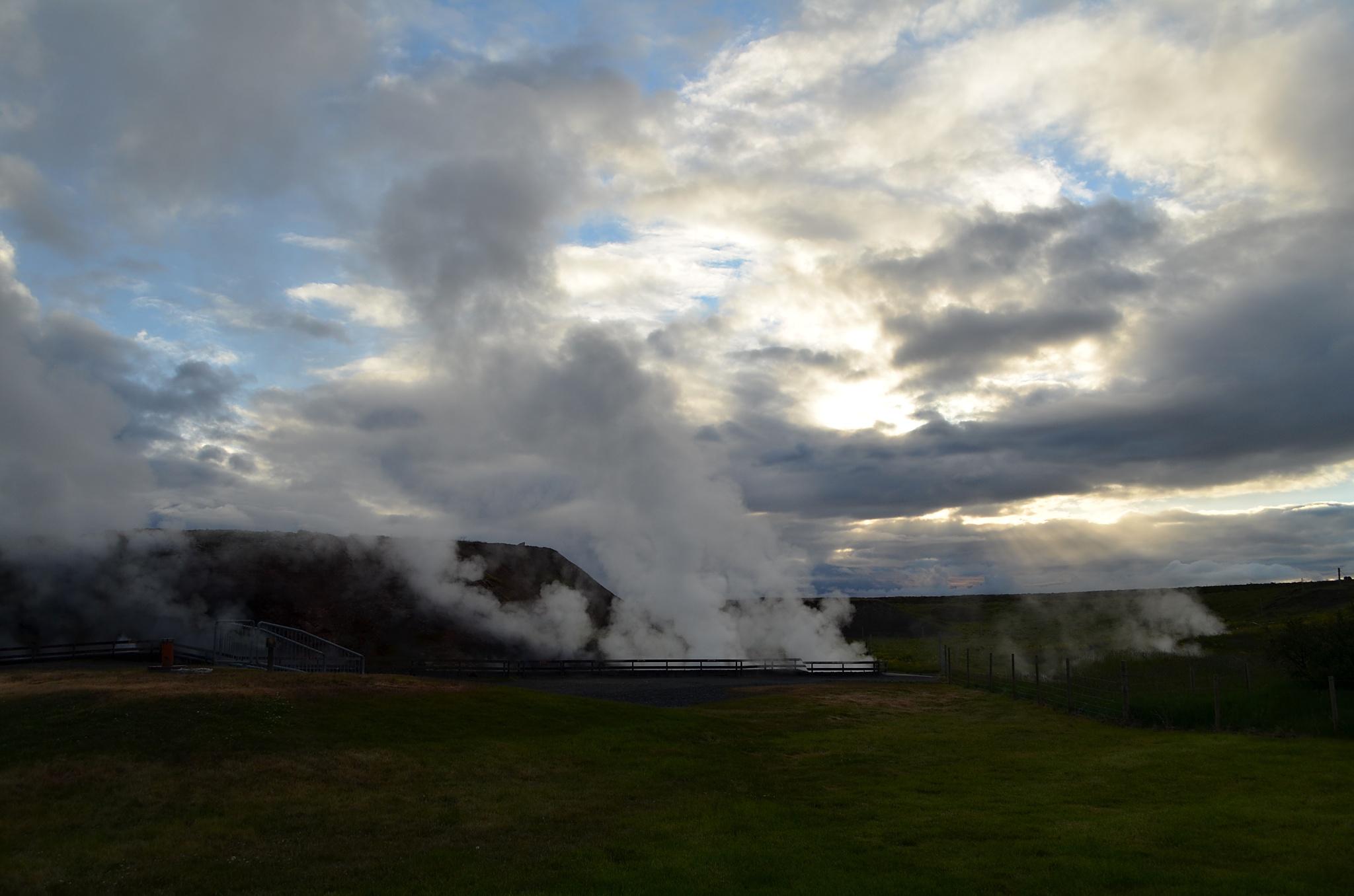 Vřící voda vytváří oblaka páry