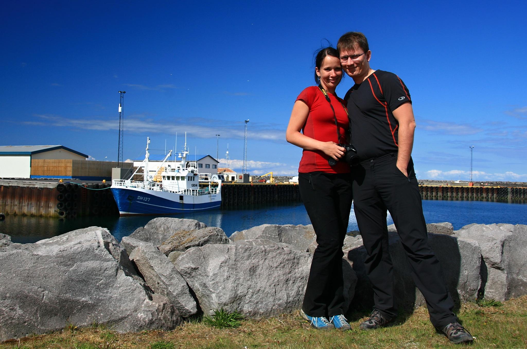 Společná fotka u přístavu Ólafsvík.