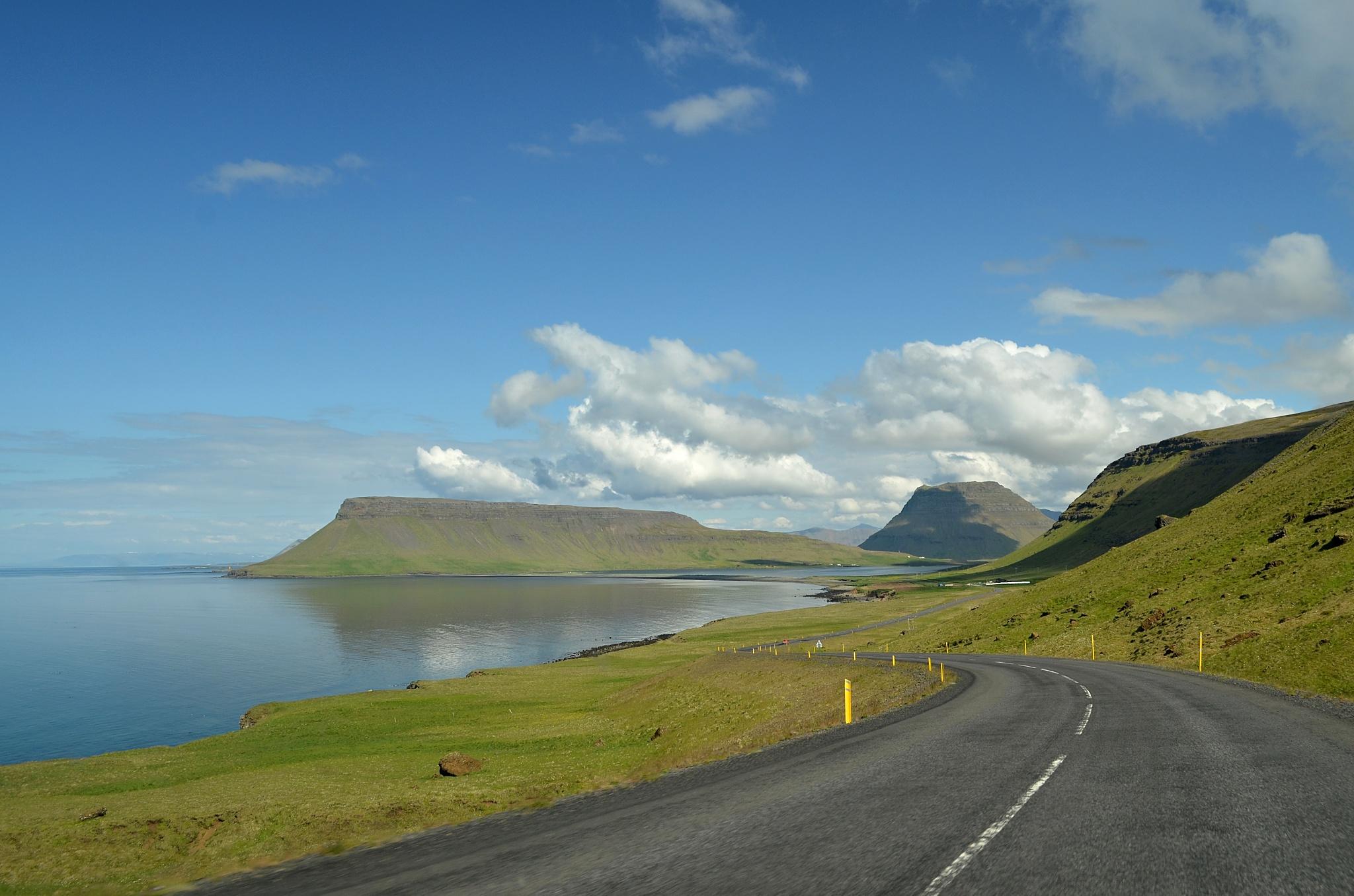 Míříme k poloostrovu Stöð a hoře Kirkjufell.