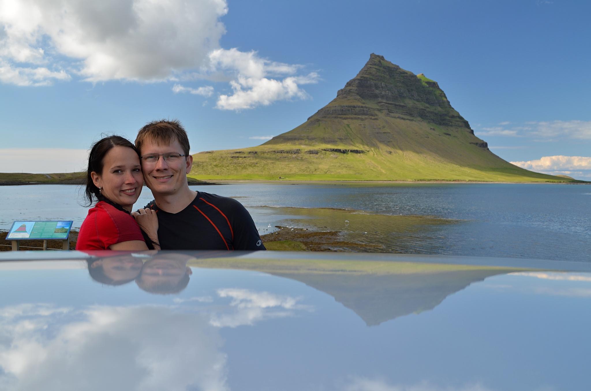 Hora Kirkjufell a my dva s autíčkem.