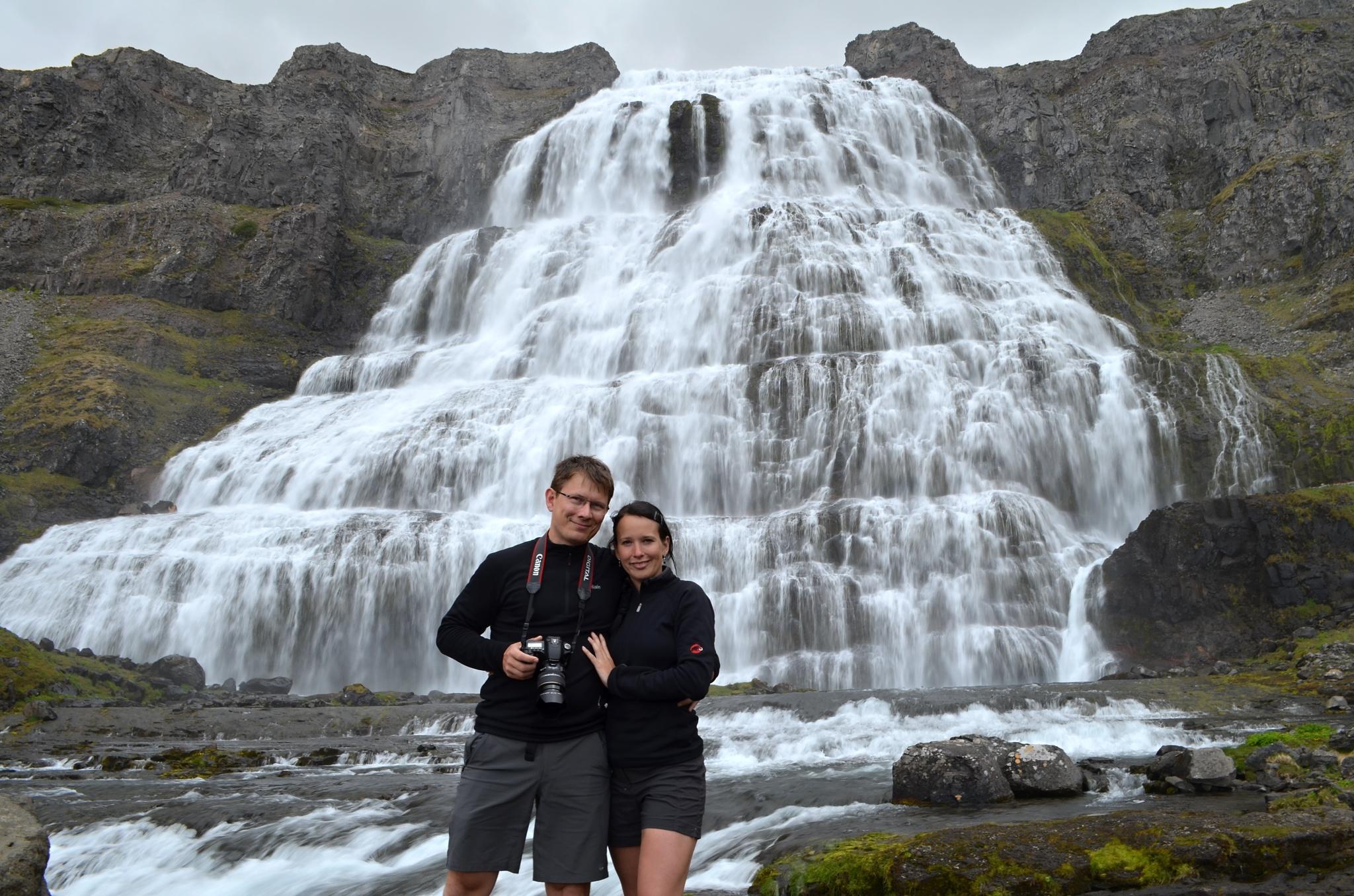 Společná fotka u vodopádu Dynjandi