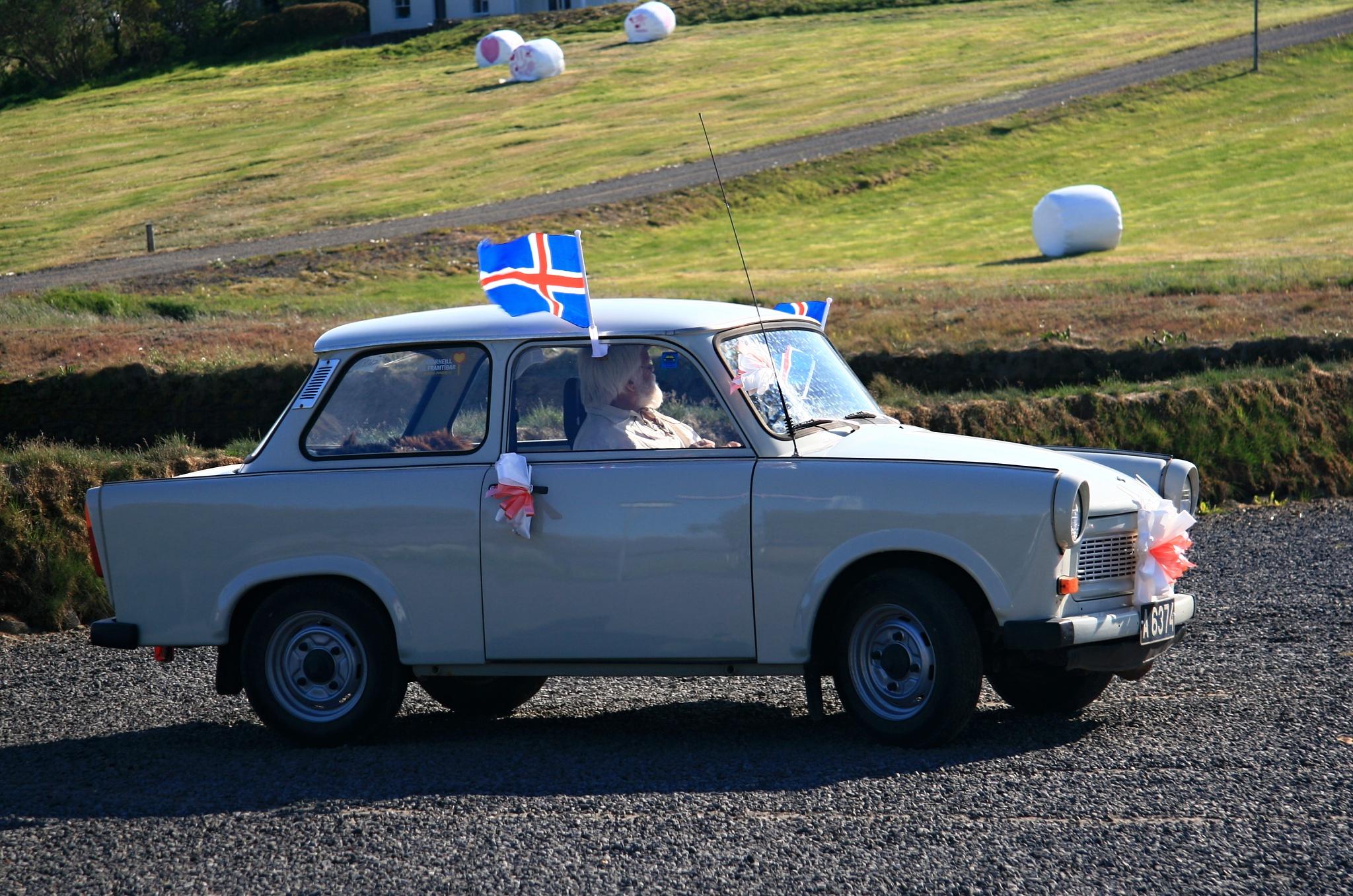 Islandská svatba ve vozu z DDR