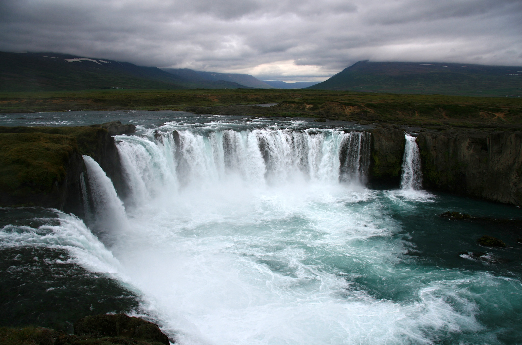 Mohutný vodopád Goðafoss