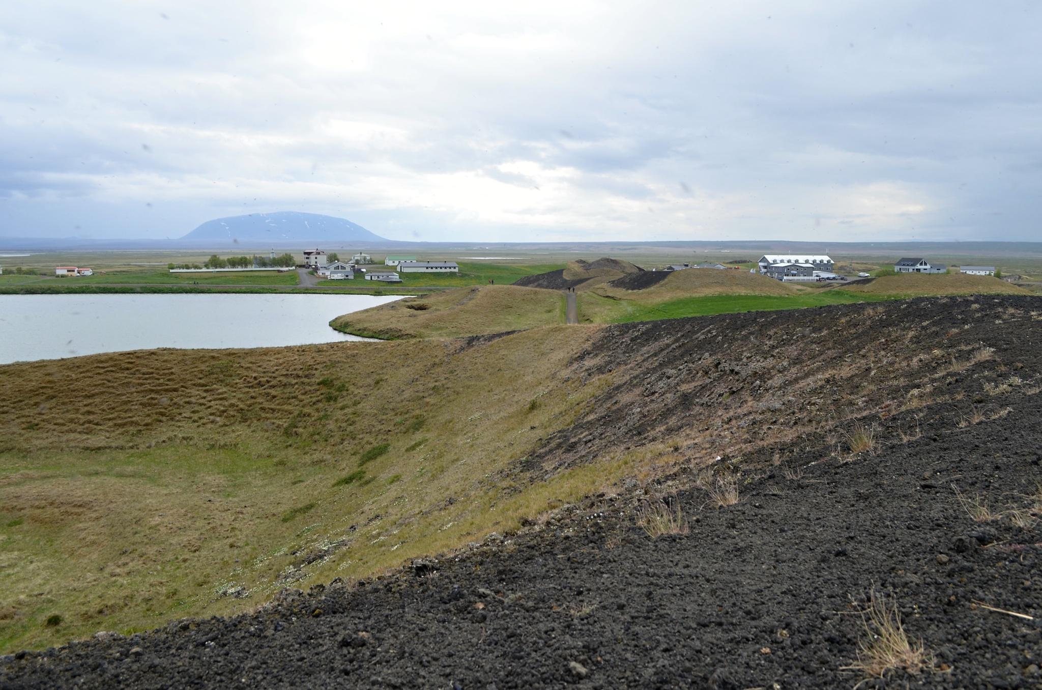 Na okraji pseudokráteru u jezera Mývatnu