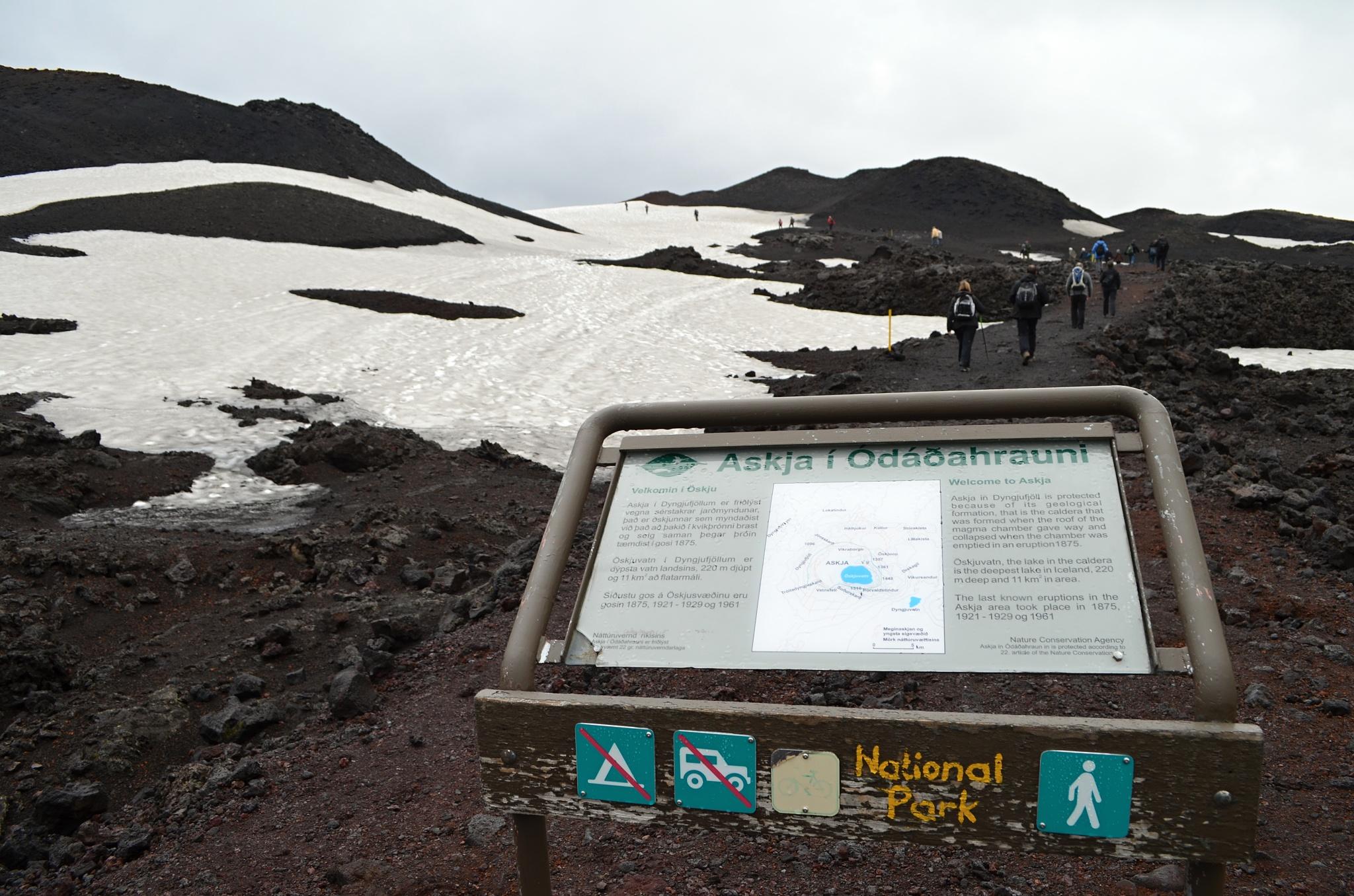 Počátek naší procházky kráterem Askji