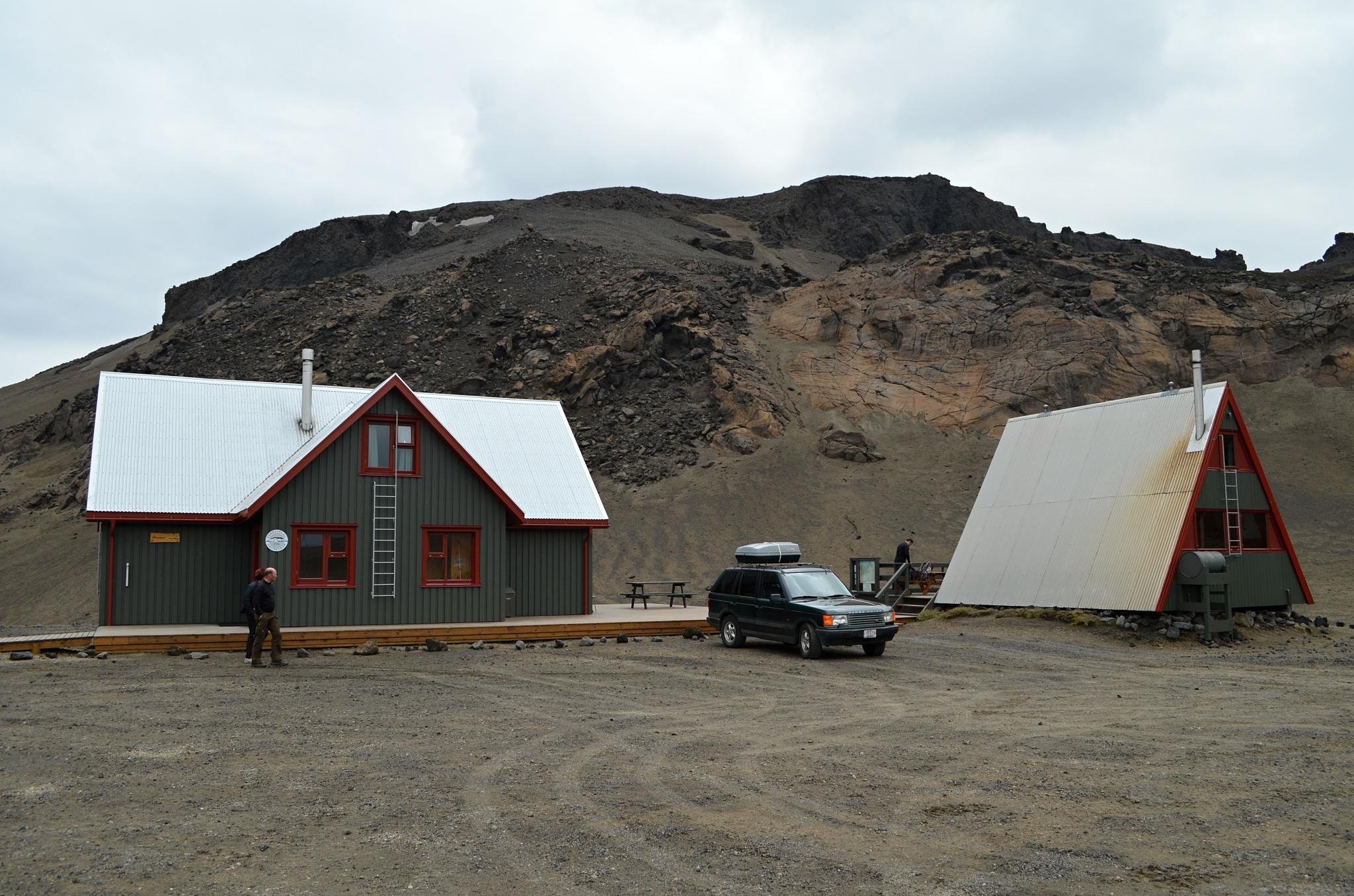 Základní chata a tábořiště u rozeklaného kaňonu Drekagil