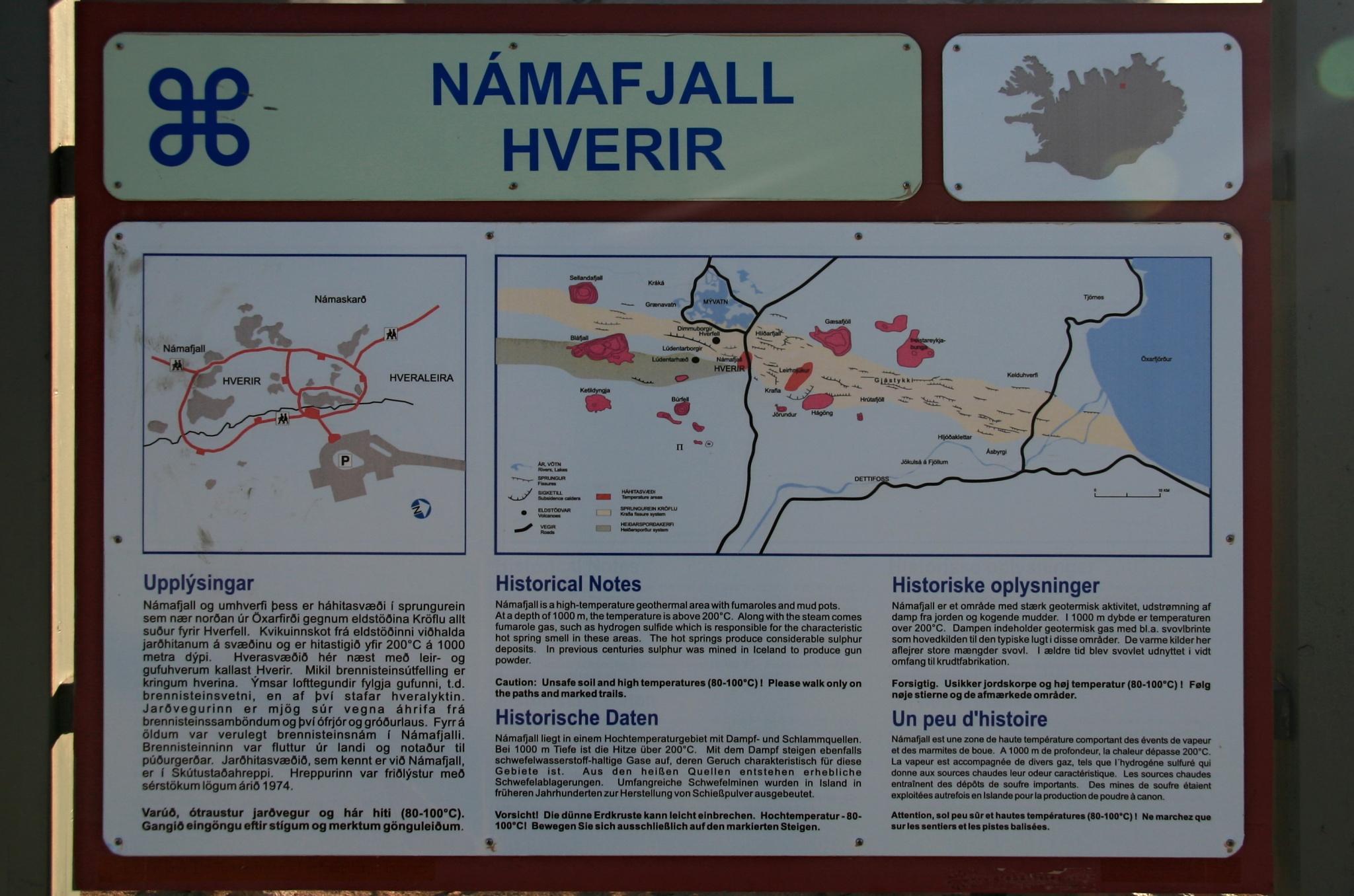 Informační tabule u oblasti Námafjall Hverir