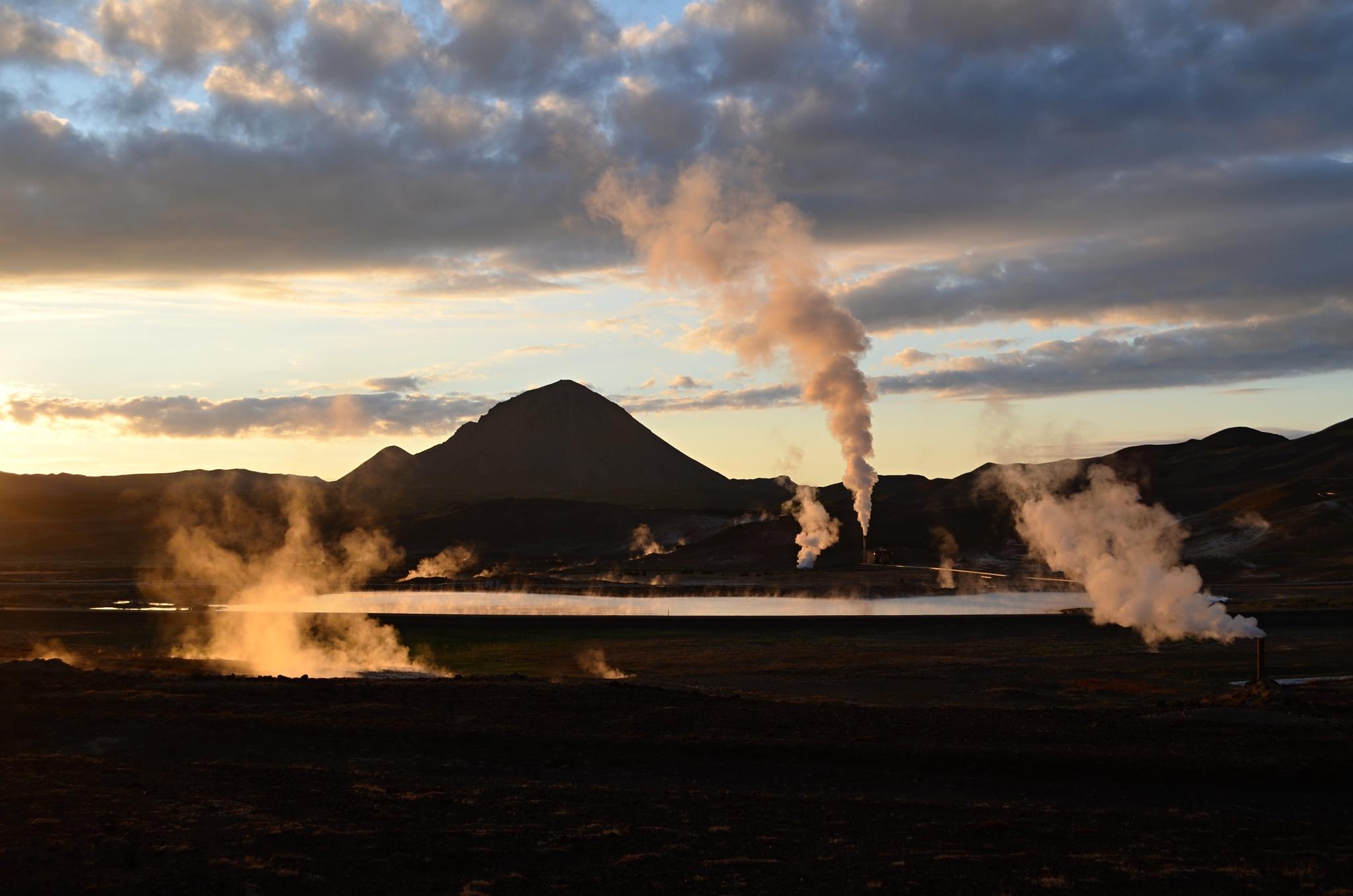 Romantický západ slunce u Mývatnu