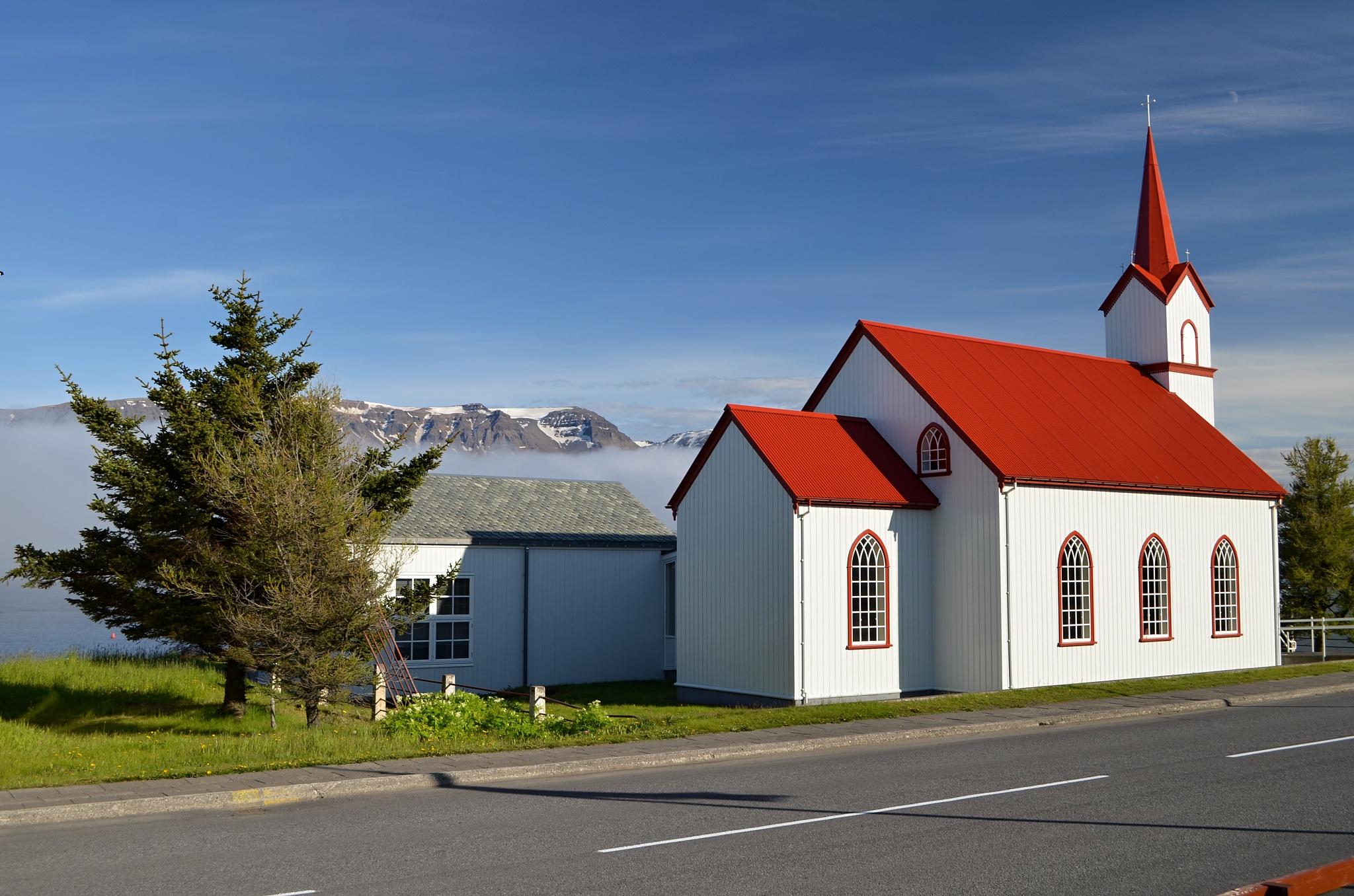 Neznámý kostelík u cesty