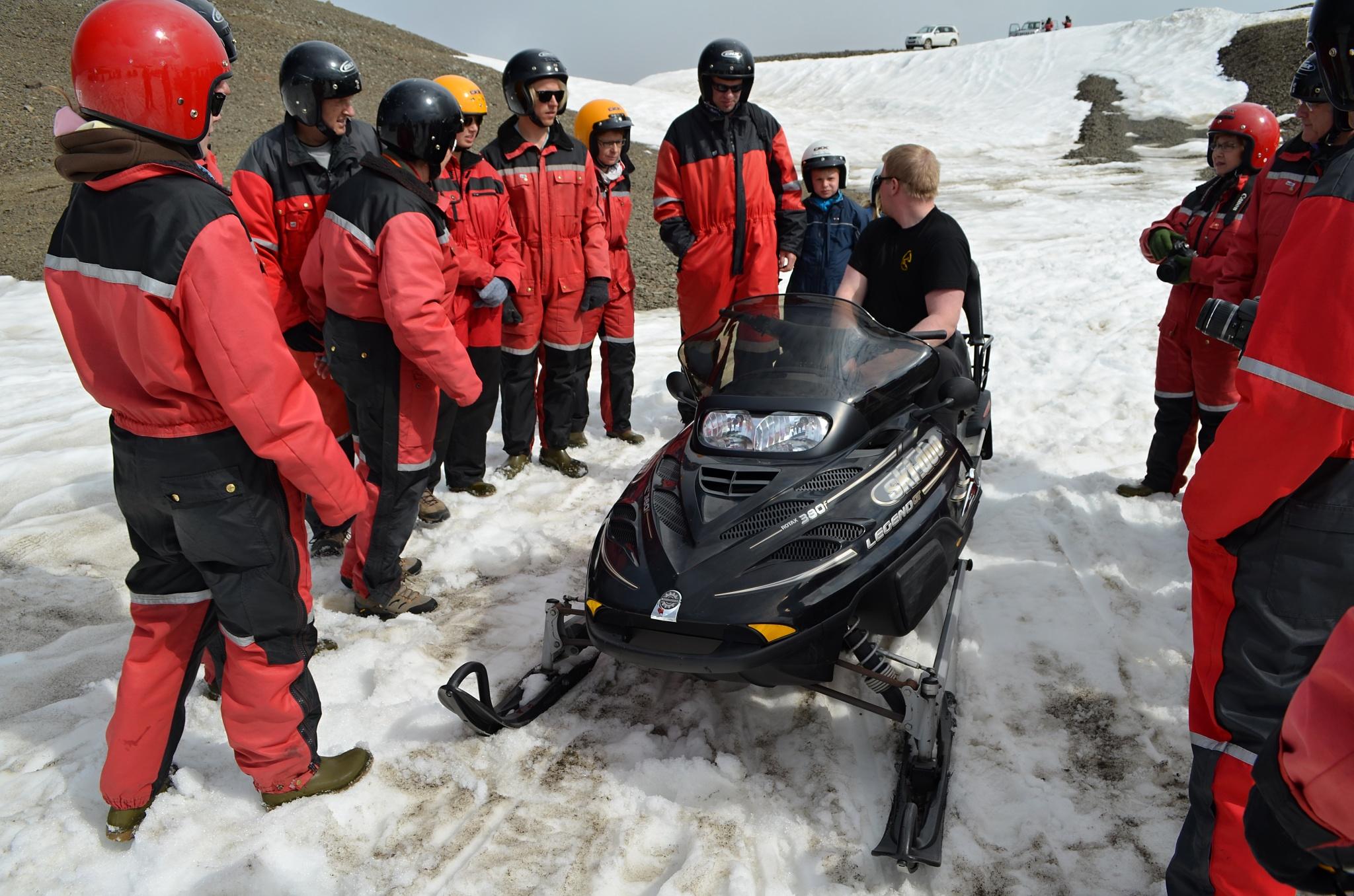 Instruktážní chvilka na ledovci