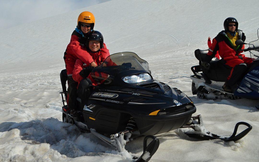 Skútry na ledovci Vatnajökull a návštěva jezera Jökulsarlón