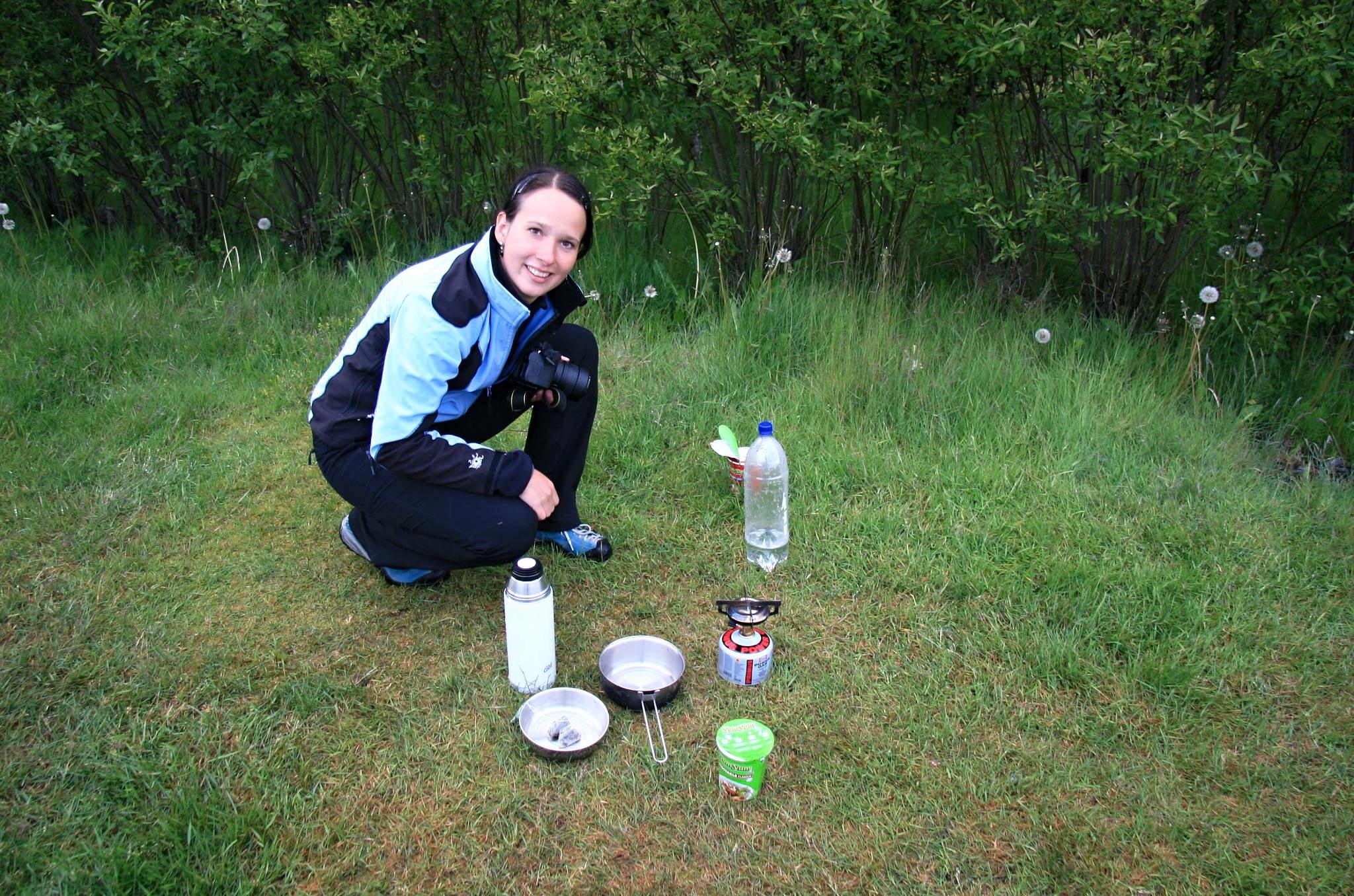 Příprava večeře v kempu Skaftafell v plném proudu