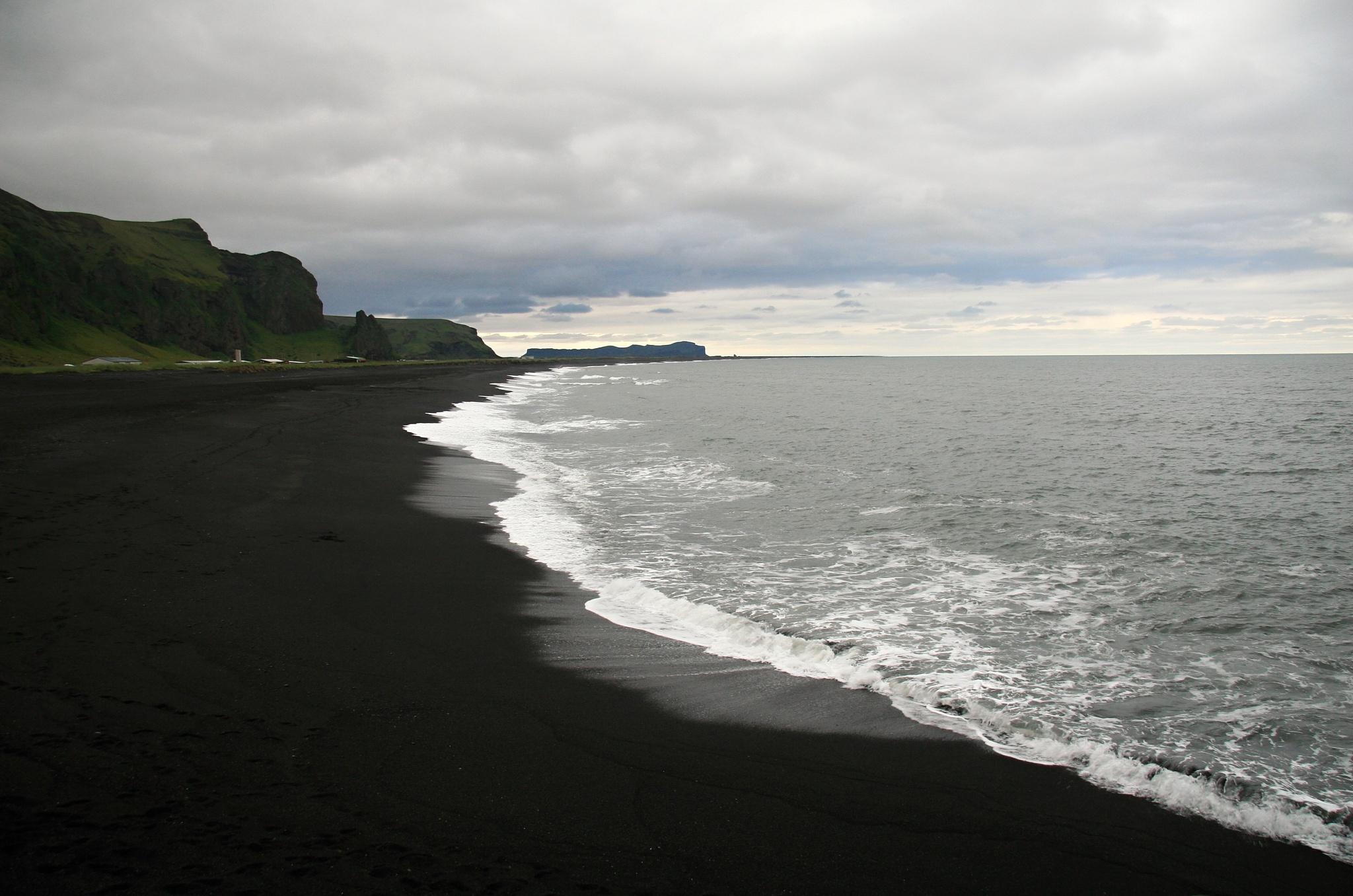 Černočerná pláž