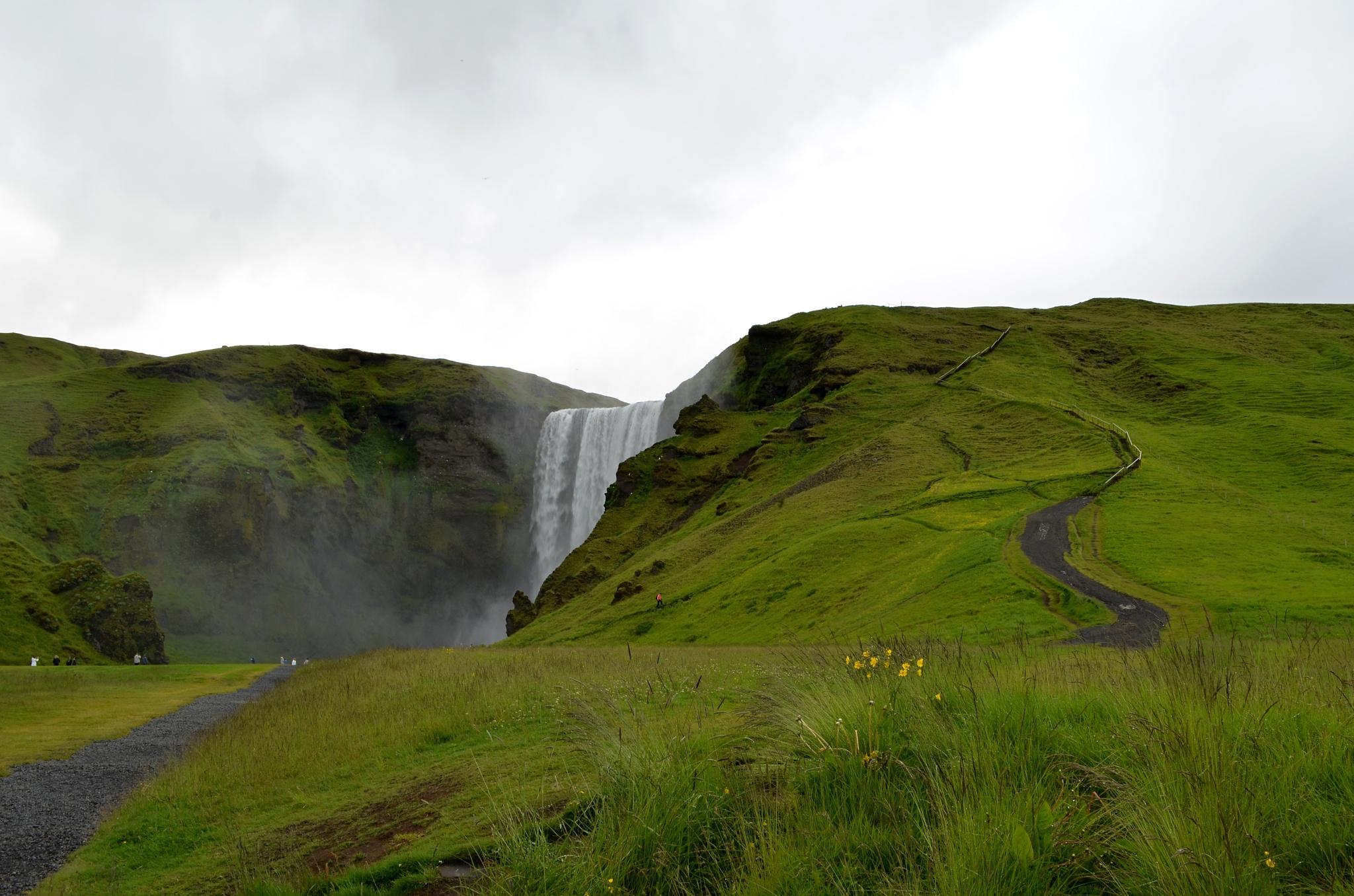 Vodopád Skógafoss a cestička nahoru