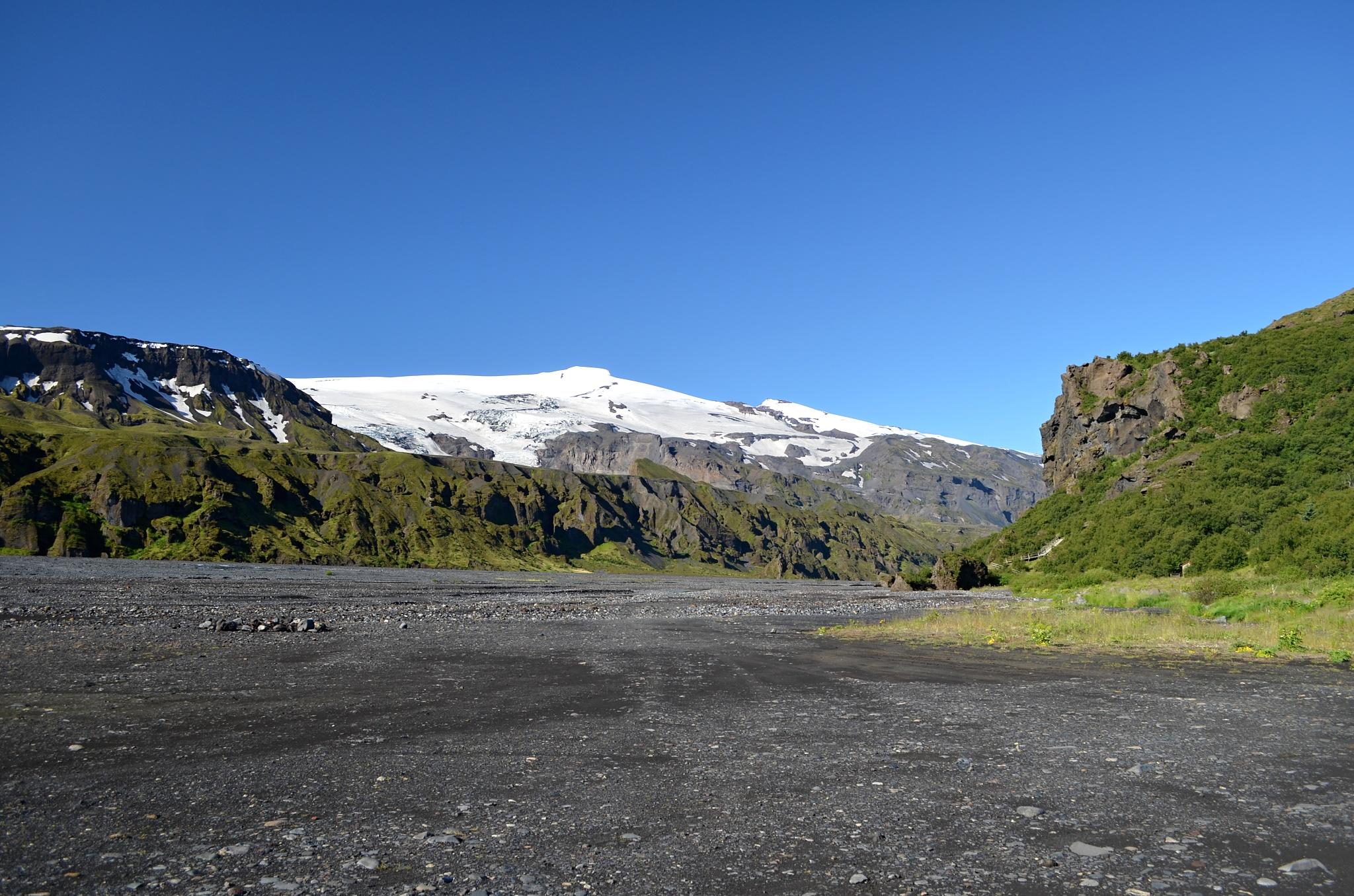 Kouzelný pohled na ledovec Eyjafjallajökull