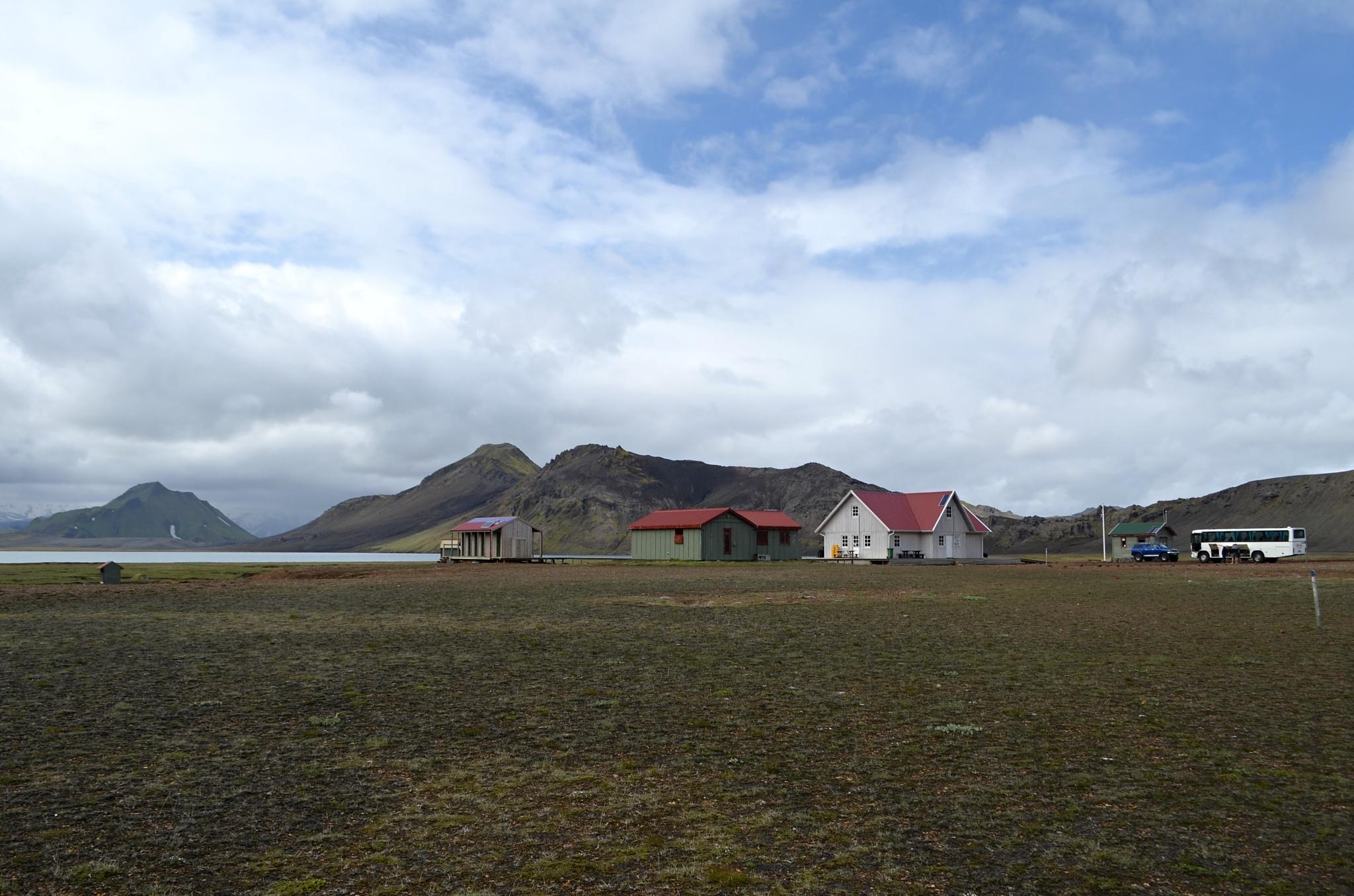 Ubytování na břehu jezera Áftavatn ve stejnojmenných chatách