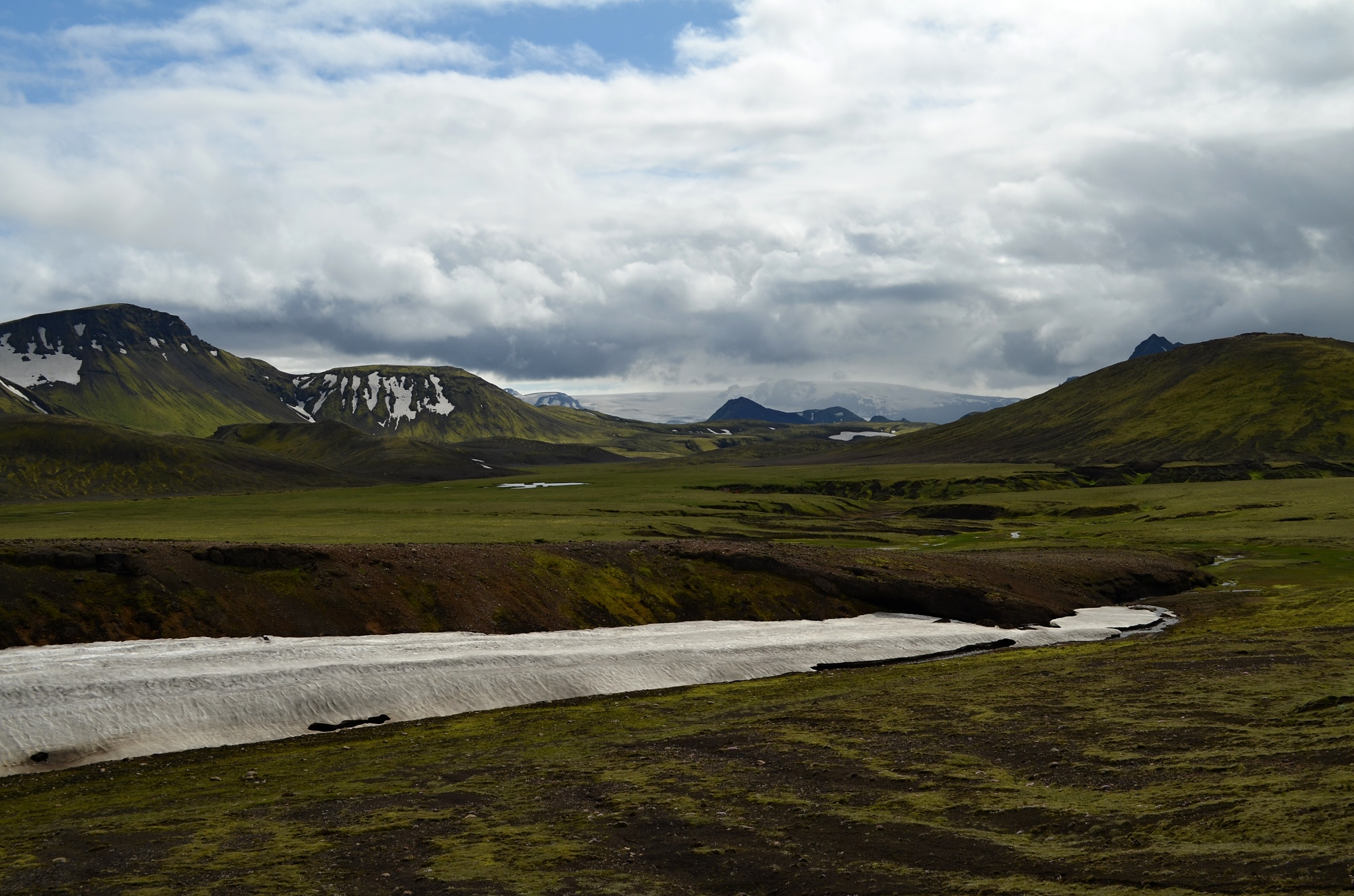V dálce vidíme ledovec Torfajökull
