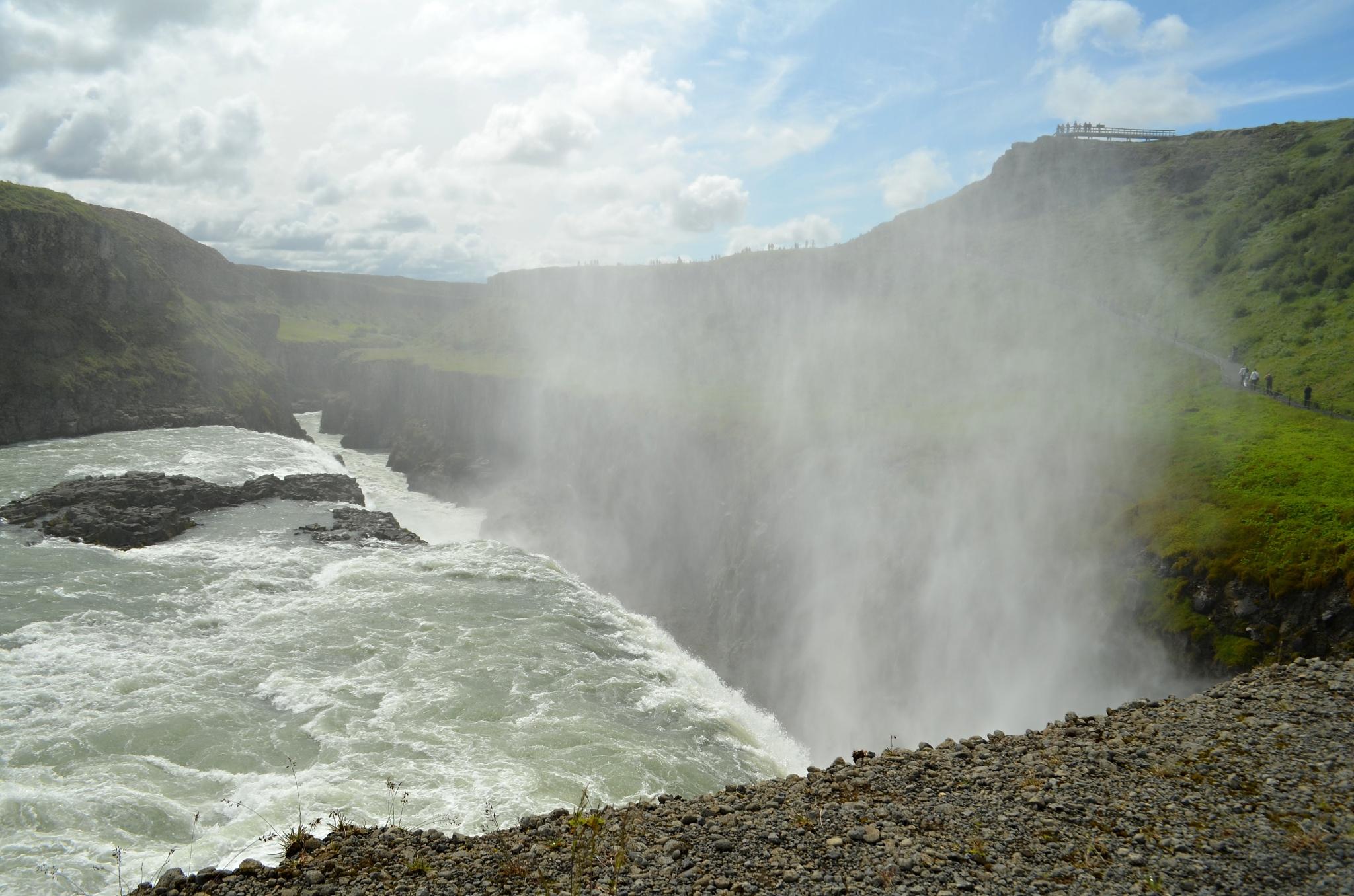 Kousek od přepadu vodopádu Gullfoss