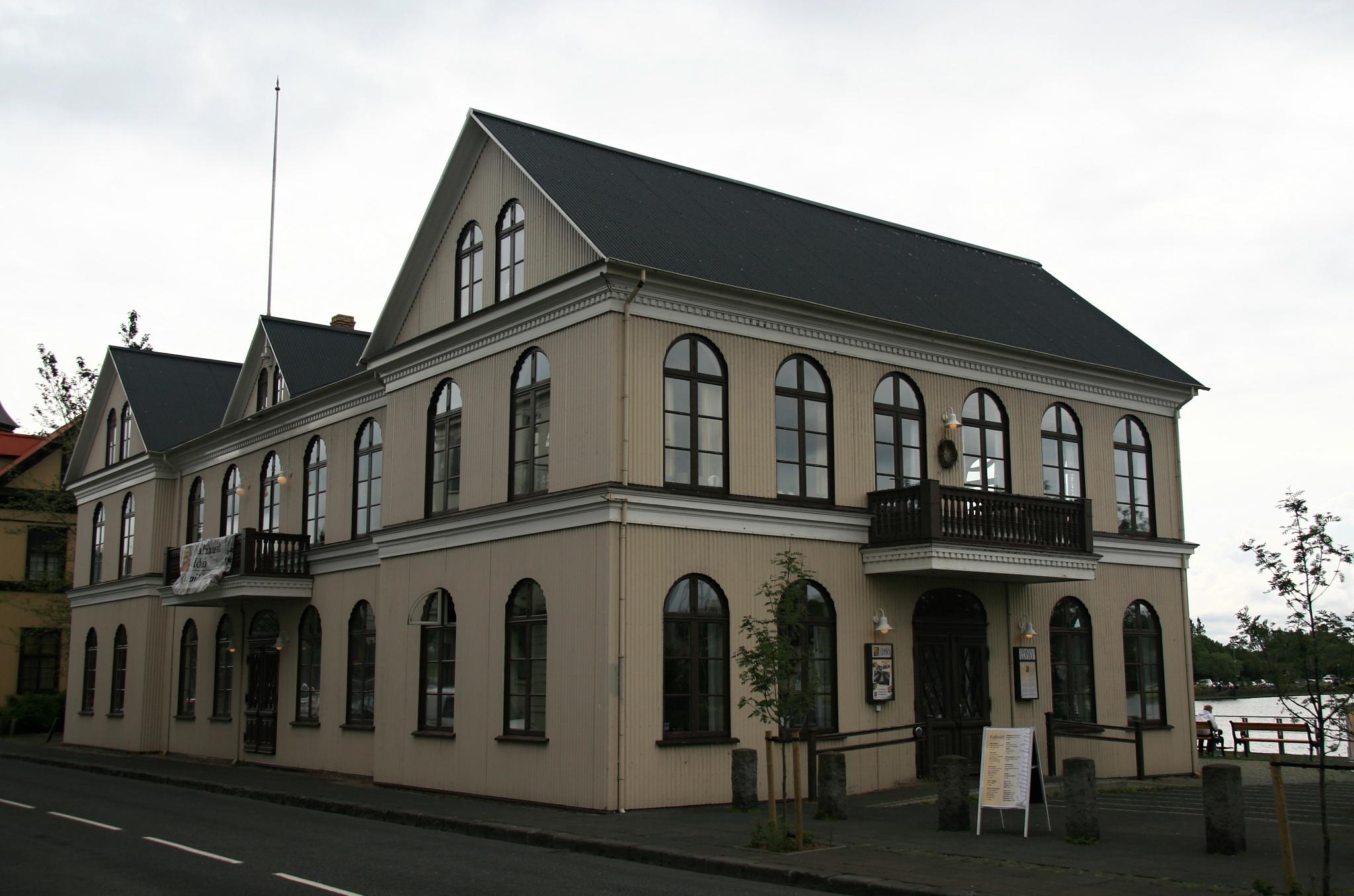 Restaurace Iðnó kombinované s malým divadlem