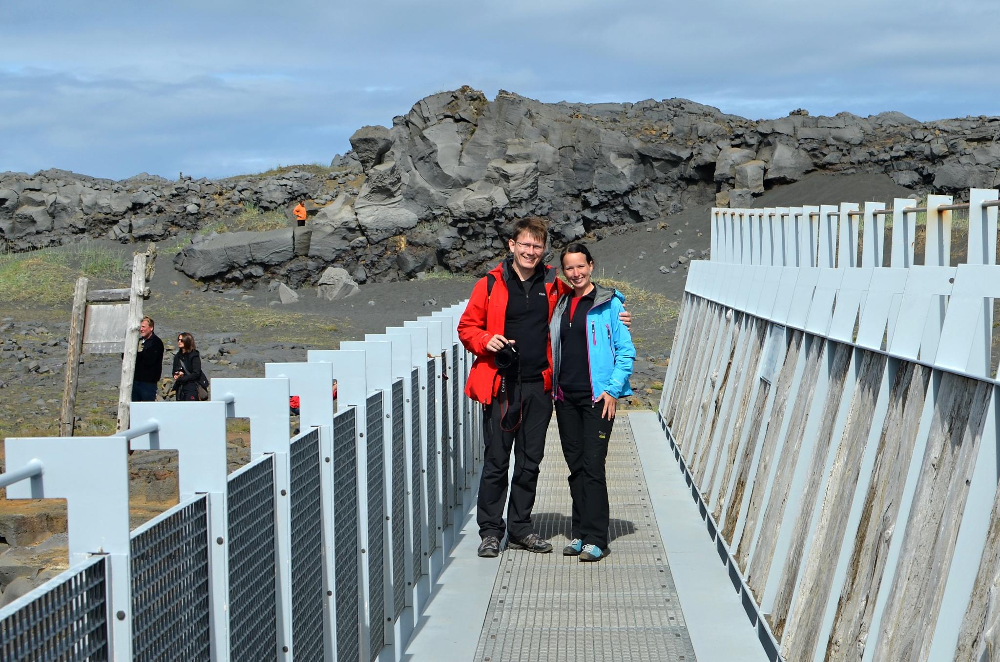 Společná fotka na mostě přes pevninský zlom