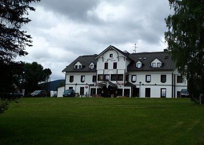 Krásný dřevěný Start hotel