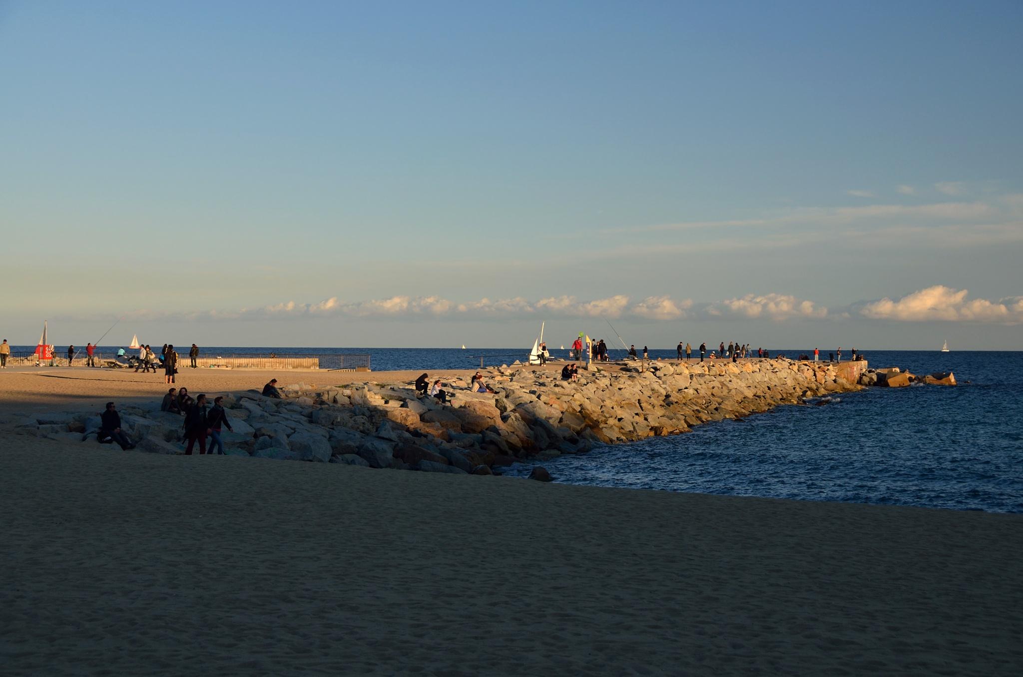 Na pláži u moře