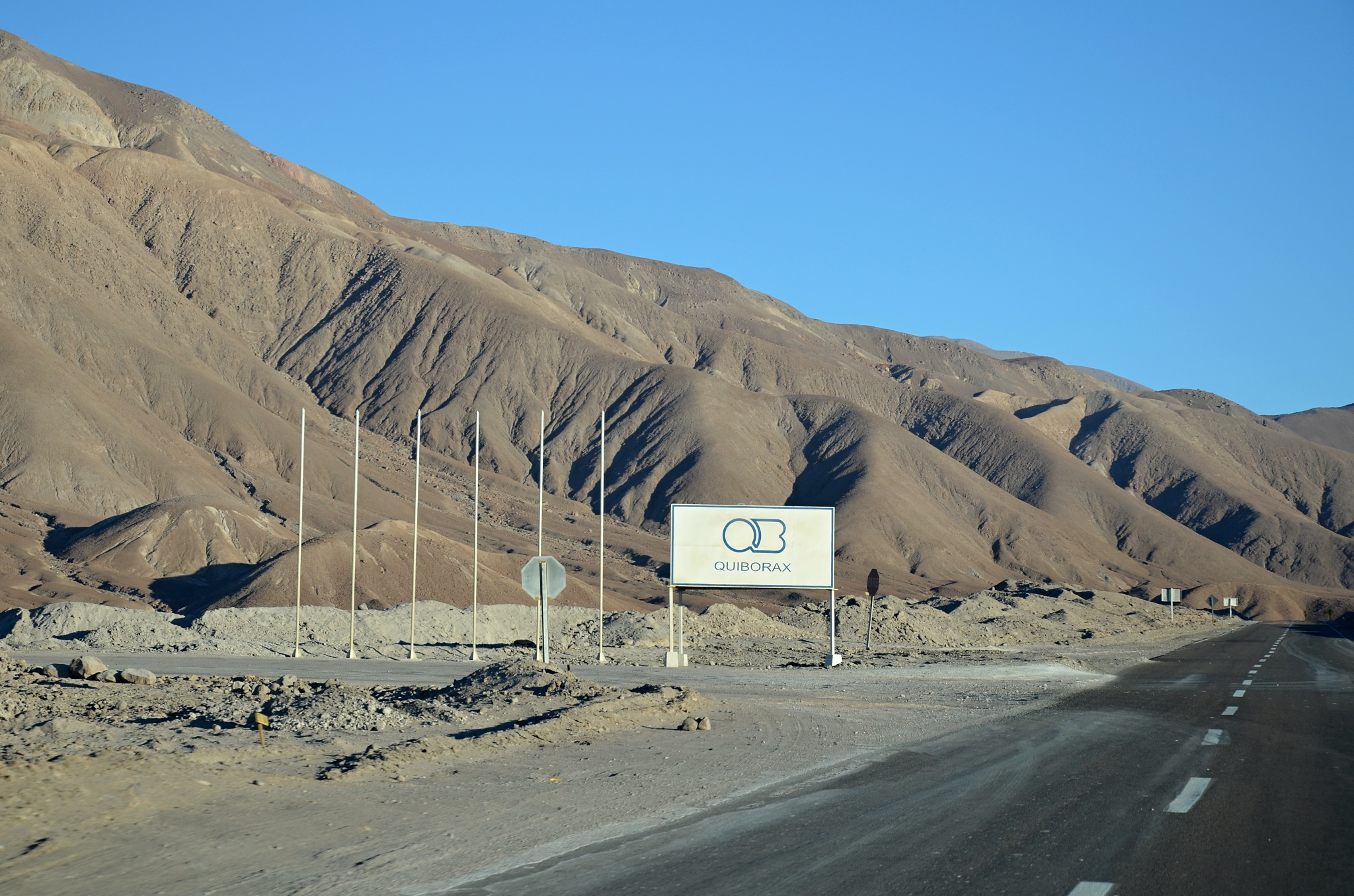 Povrchový důl na borax