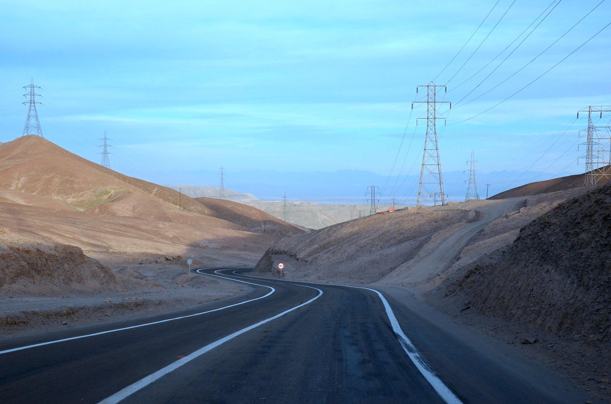 Na obzoru jeden z největších povrchových dolů na měď Chuquicamata