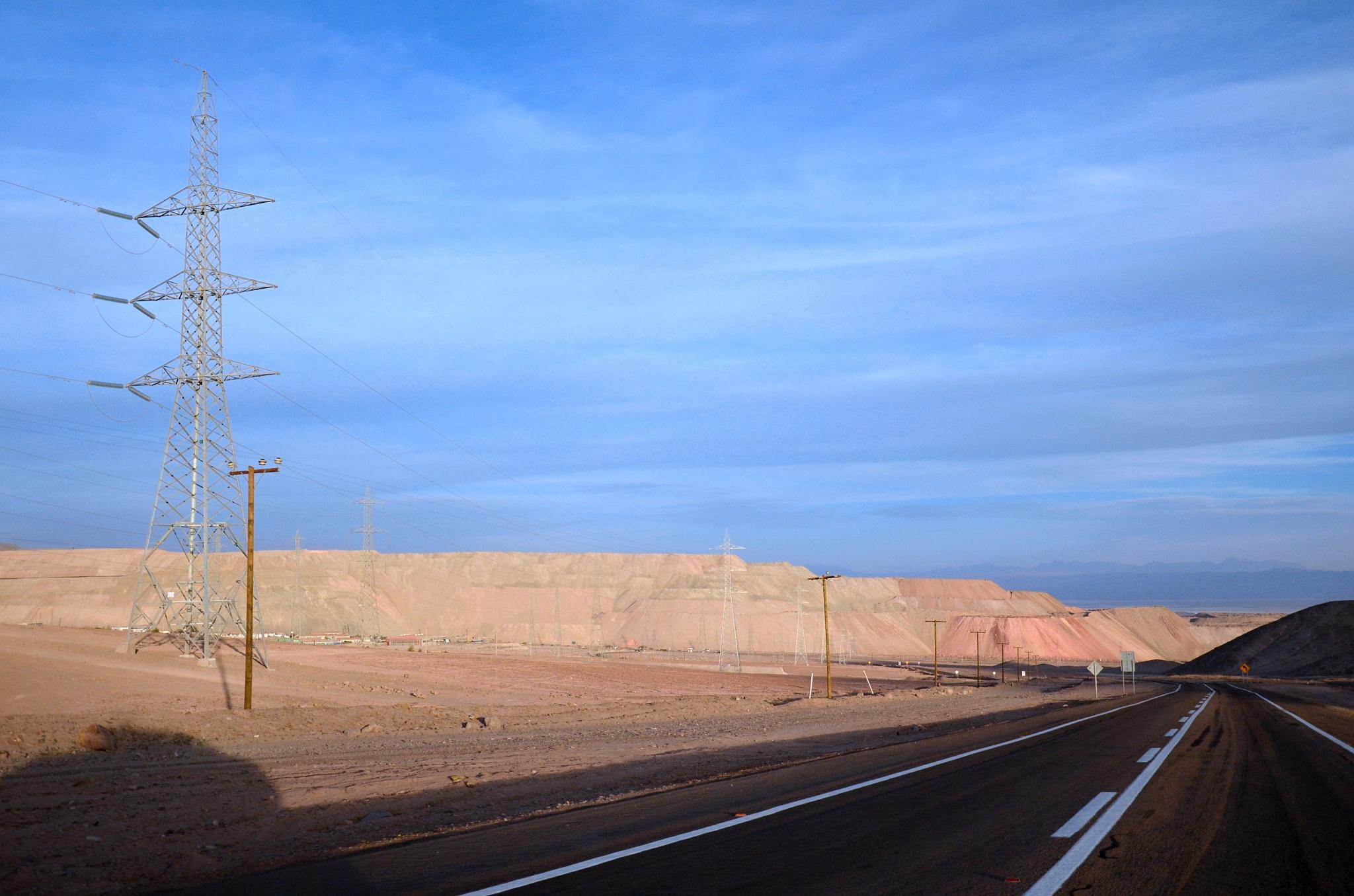 Jeden z největších povrchových dolů na měď Chuquicamata