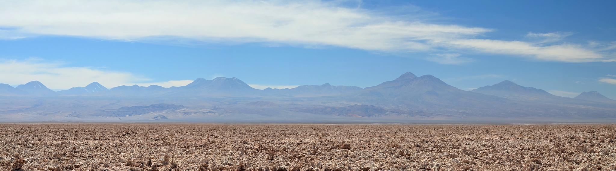 Panoramatický pohled od jezero Chaxa