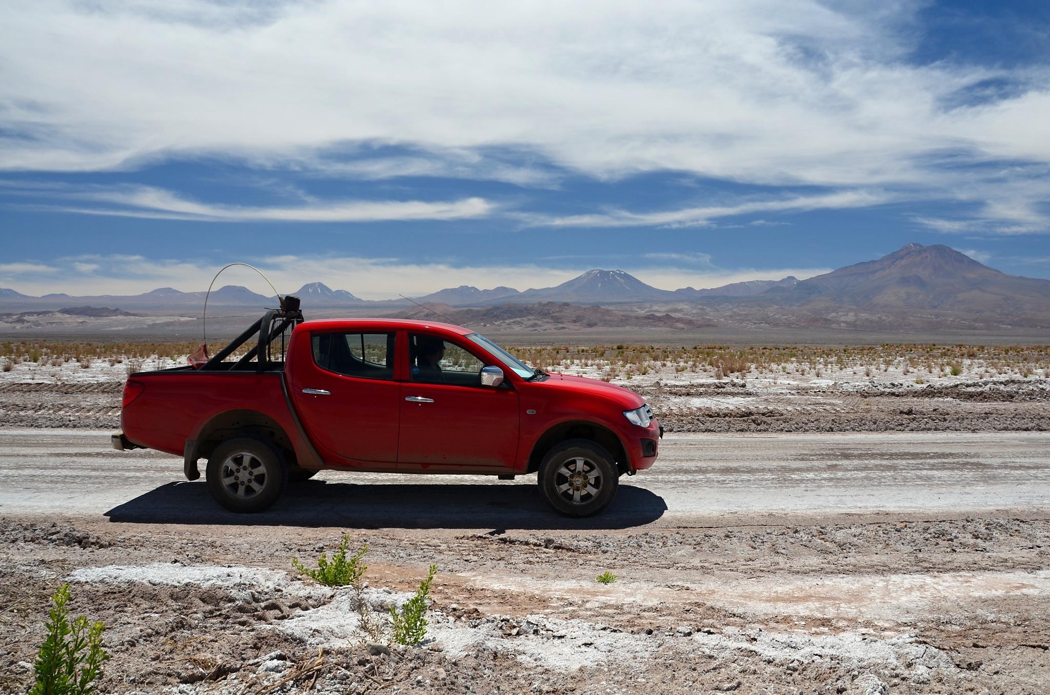Naše popojíždědlo na cestě v Atacamě