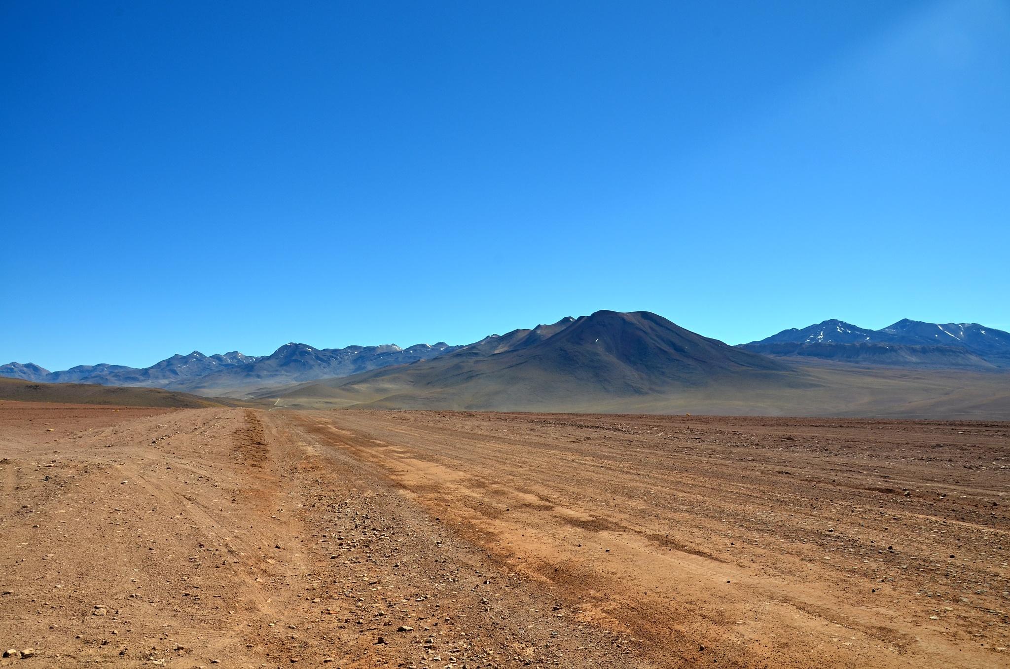 Kvalitní silnice kousek od gejzírů