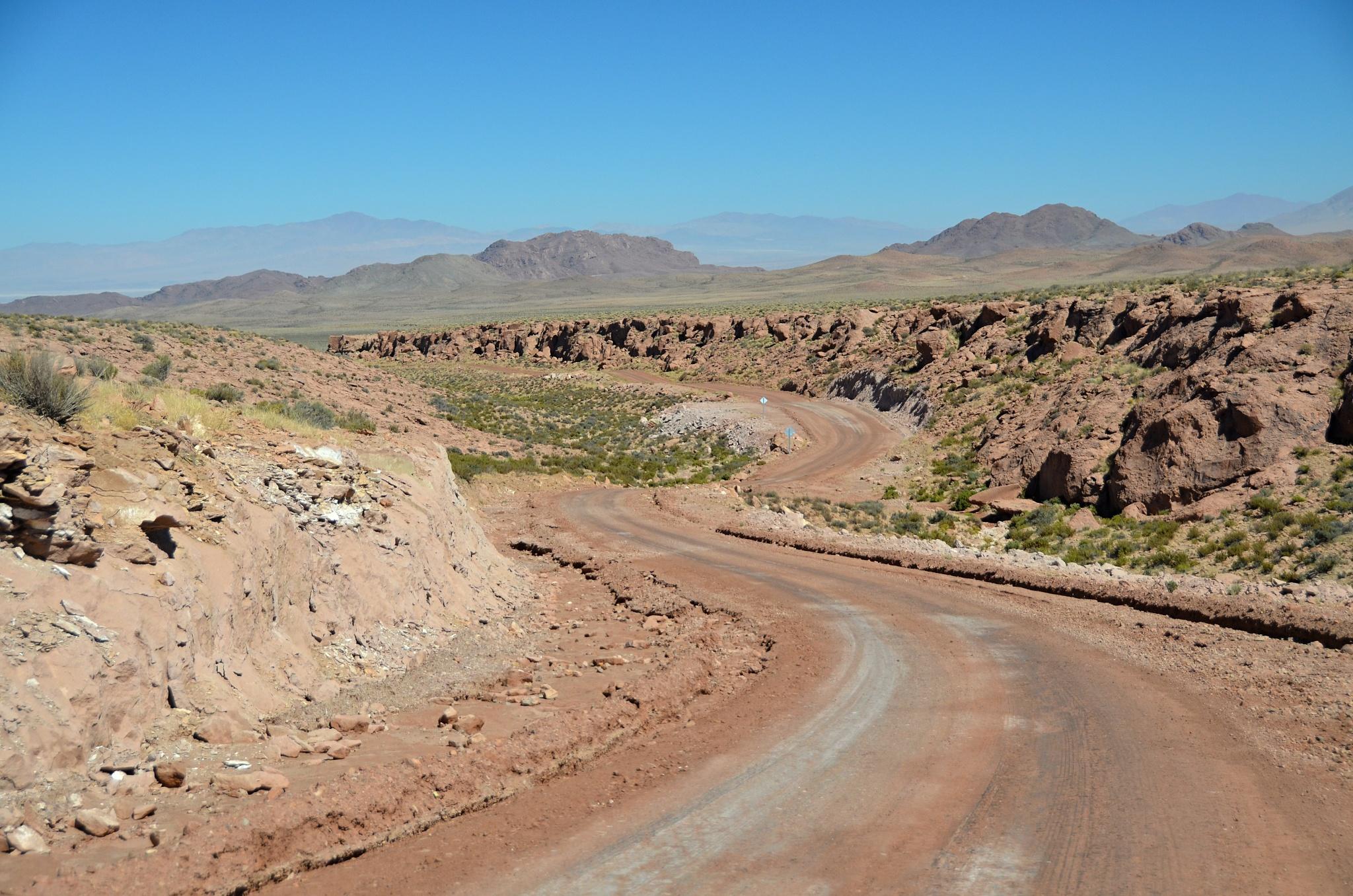Divoká silnice k oáze Caspana