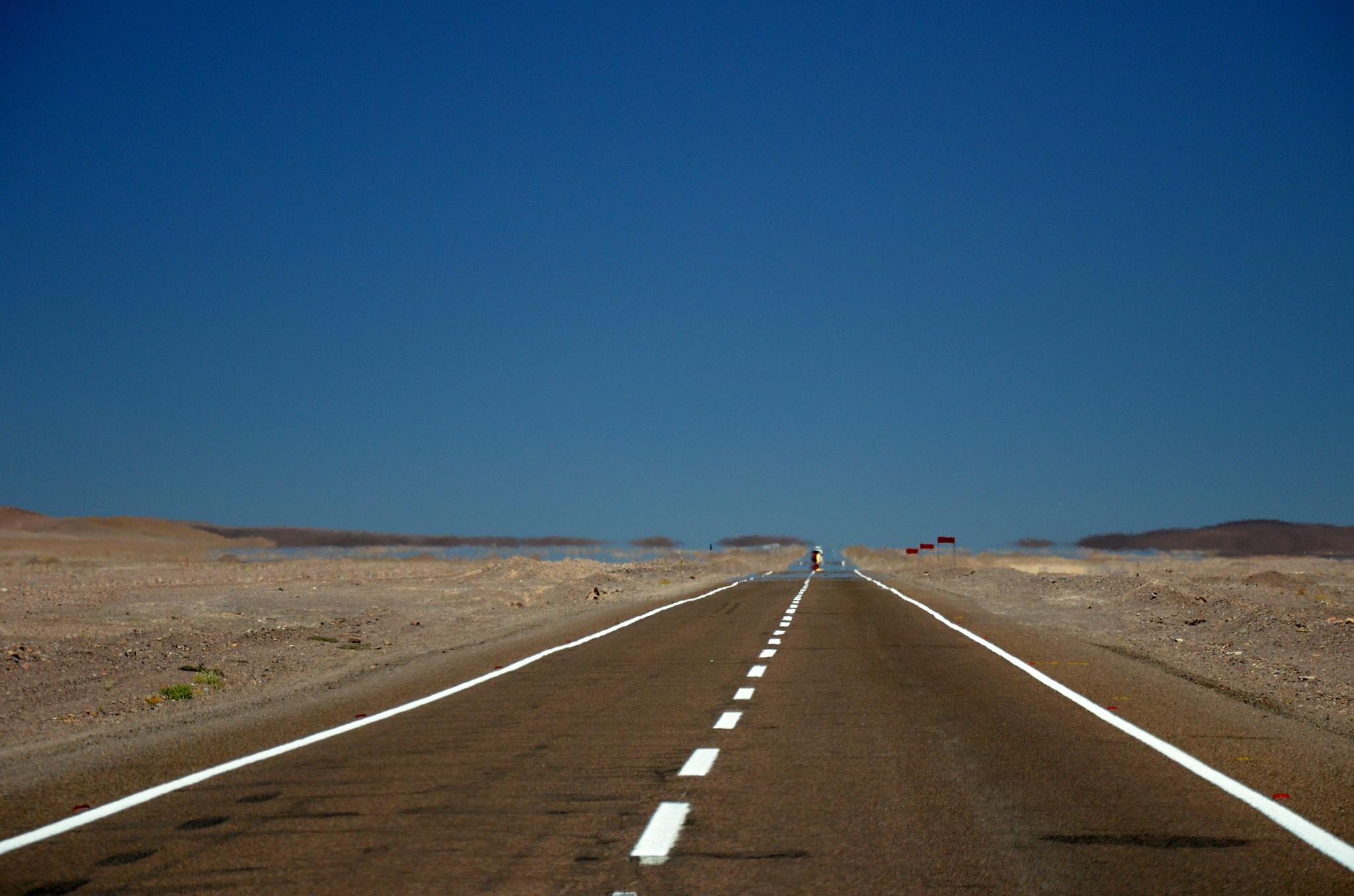 Monotónní cesta pouští