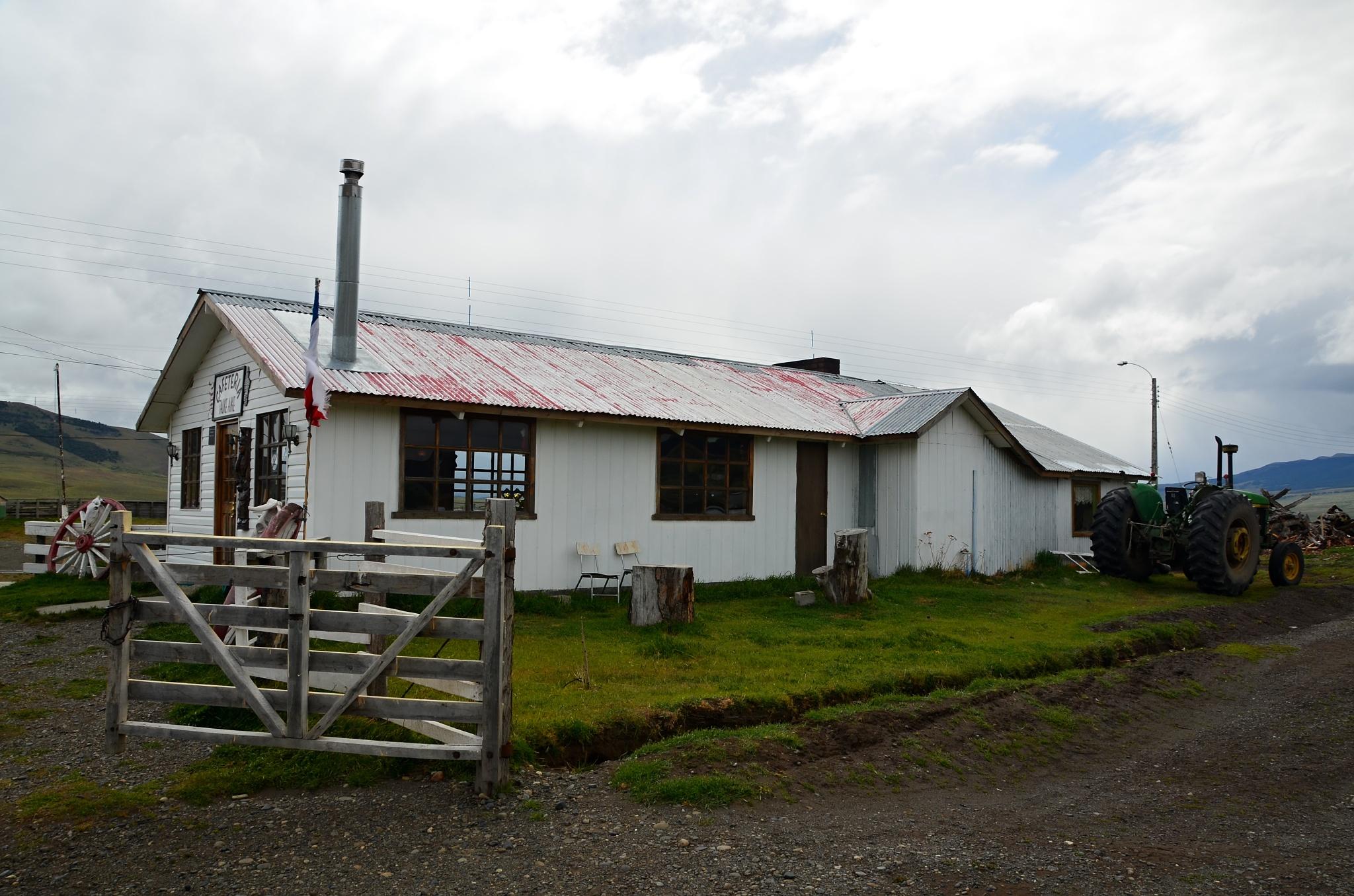 Malá kavárna ve vesnici nazvané Torres del Paine