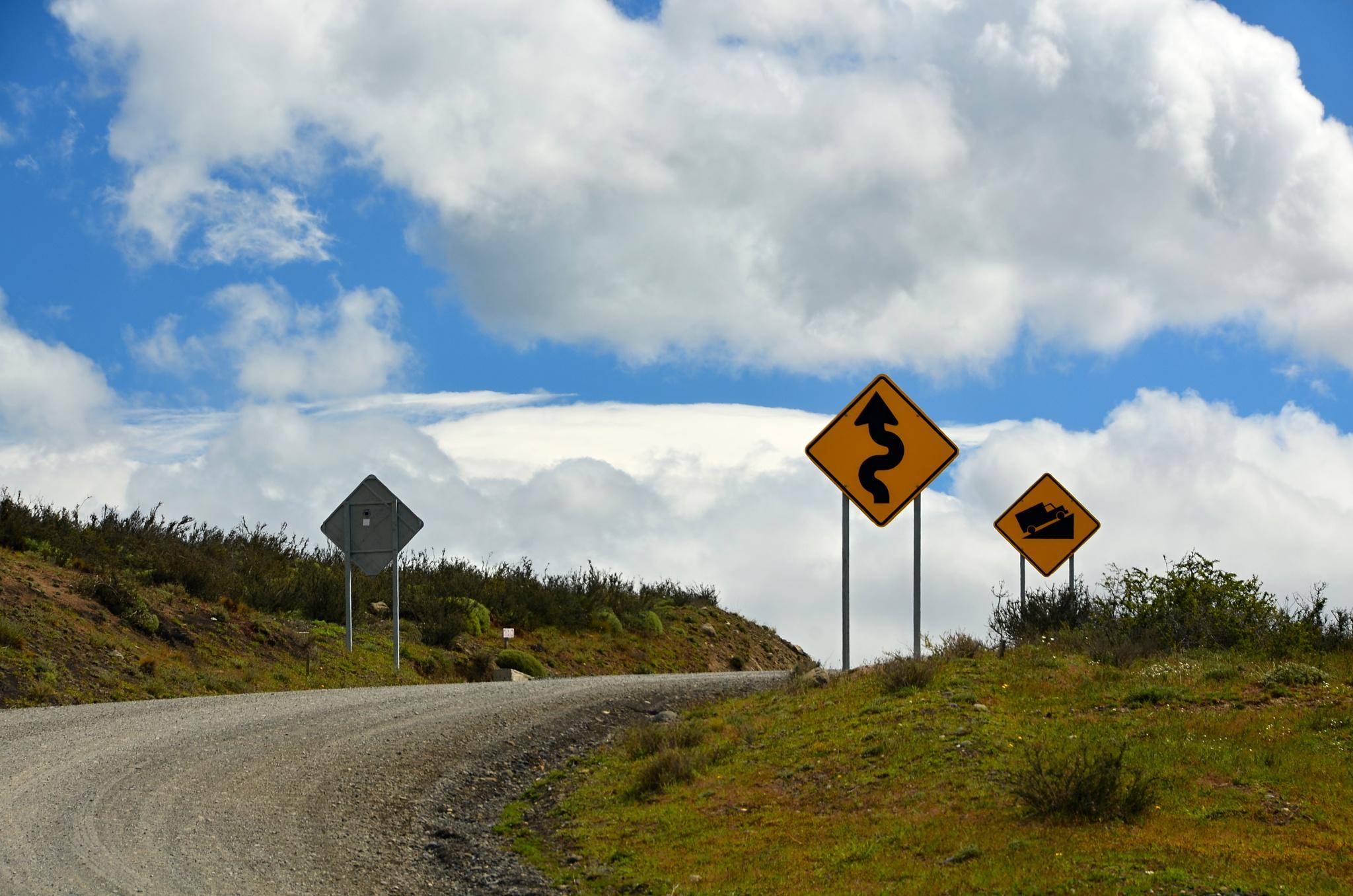 I v národním parku je plno dopravních značek