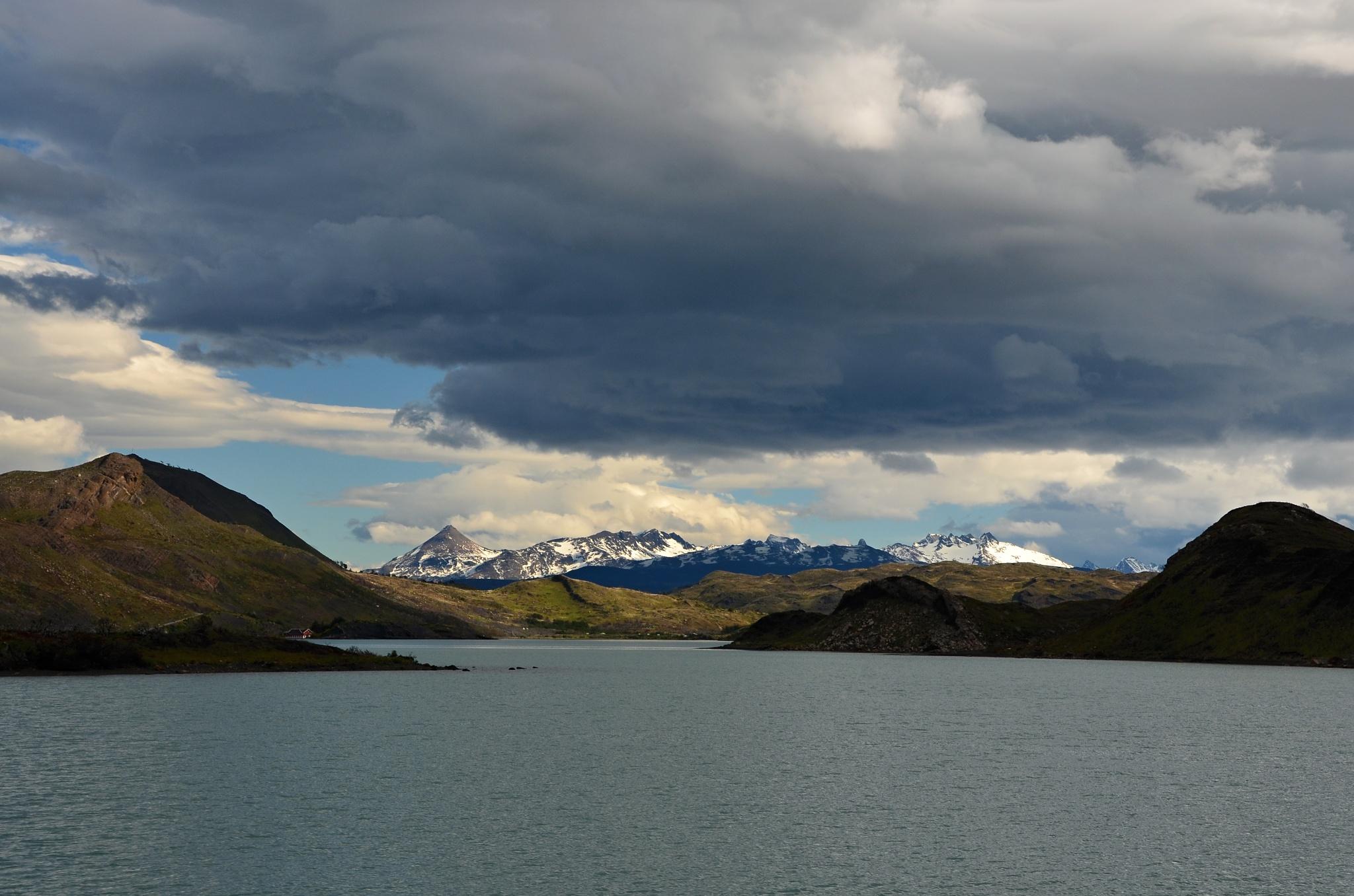 Na rozdíl od poslední cesty přes jezero Pehoé je viditelnost skvělá
