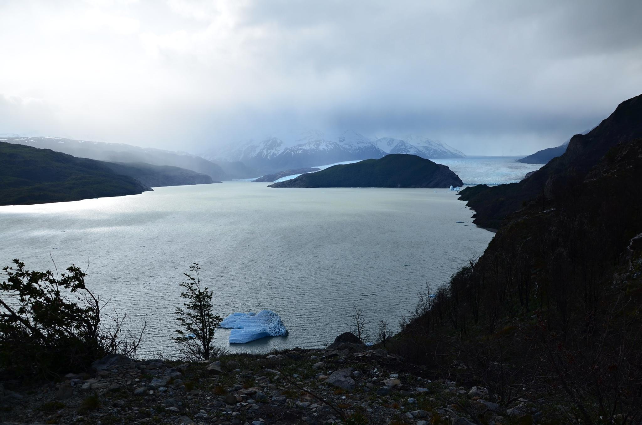Ledovec Grey při západu slunce