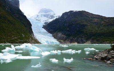 Plavba lodí za ledovci Balmaceda a Serrano