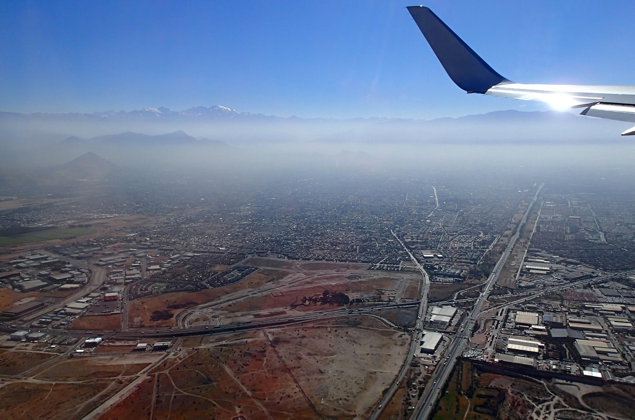 Santiago ve smogovém oparu