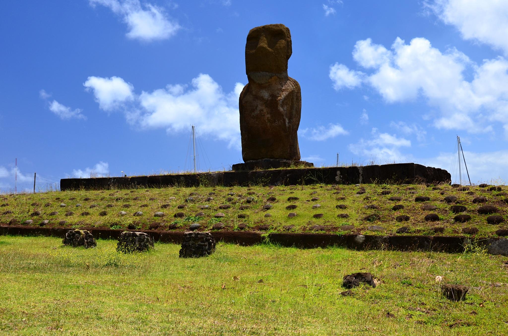 Moai na místě zvaném Te Ata Hero