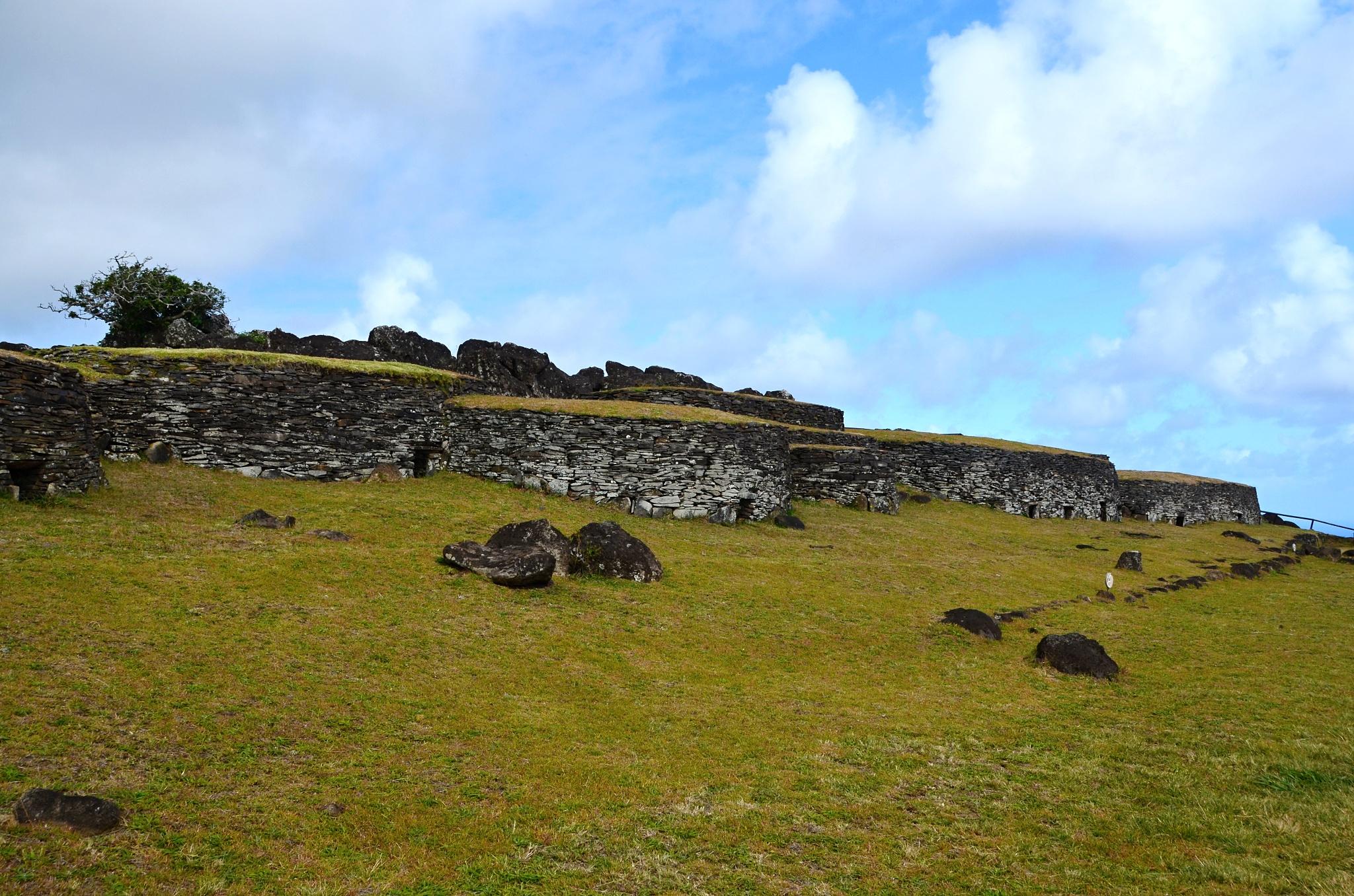 Kamenné stavby v Orongu