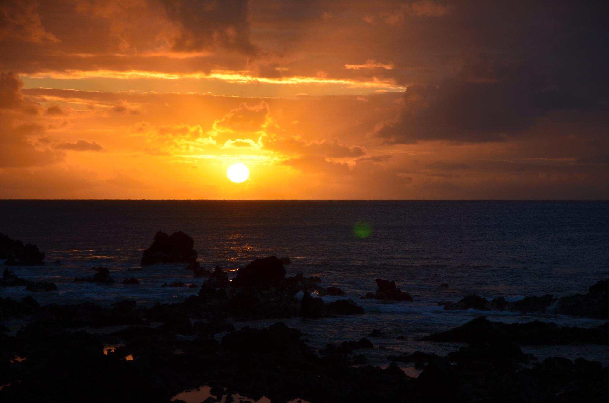 Západ slunce na Velikonočním ostrově