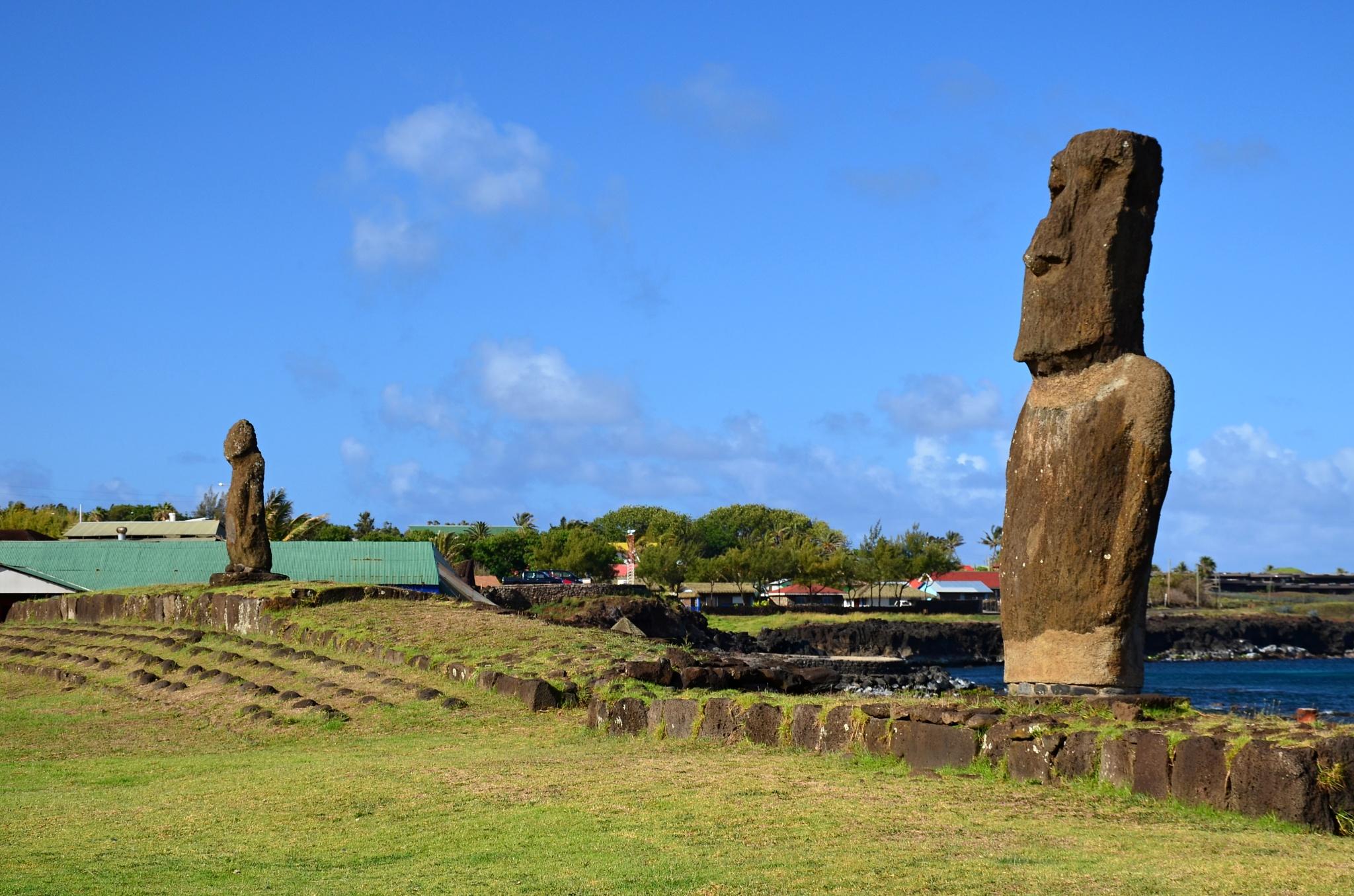 Oba dva městská Moai na jedné fotce