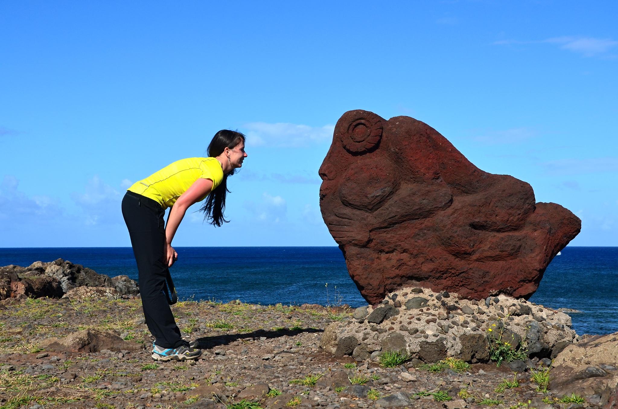 Hanka a divné kamenné stvoření