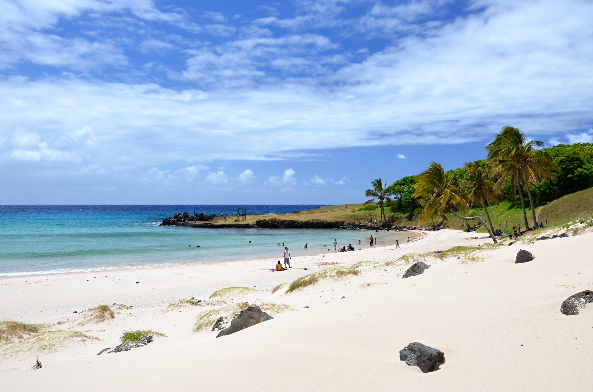 Pláž a zátoka Anakena