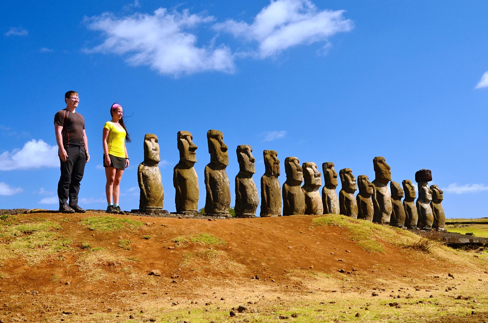 15, tedy vlastně 17 Moai na Ahu Tongariki