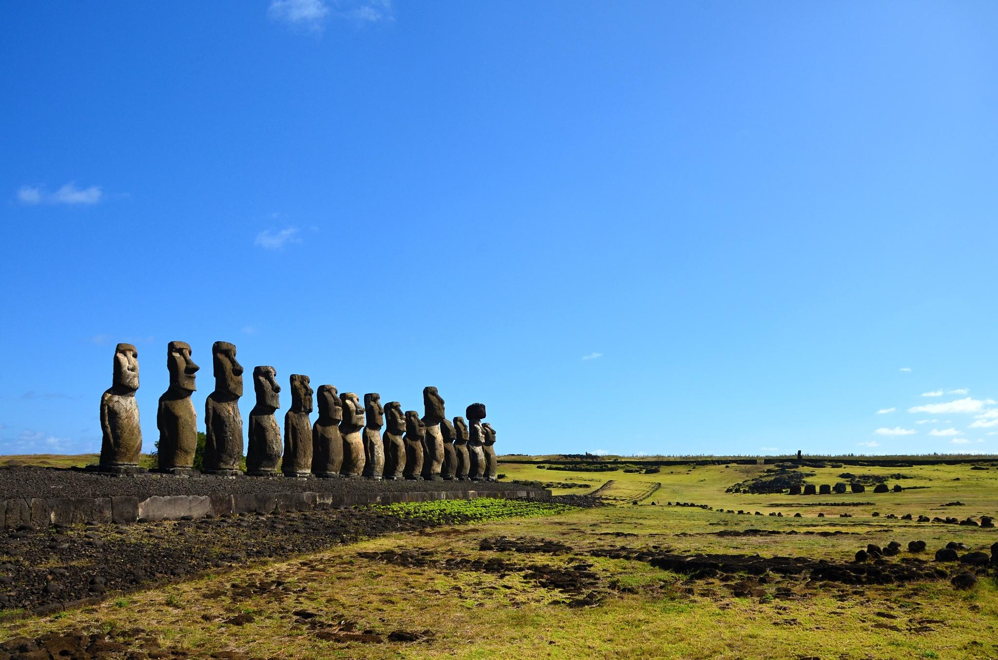 Největší Ahu Tongariki s patnácti Moai