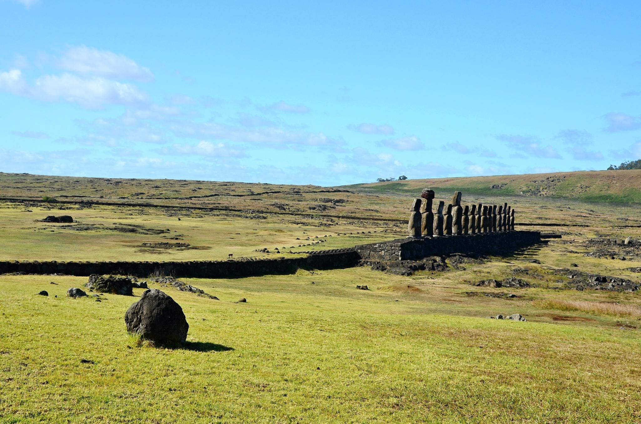 15 Moai na místě Ahu Tongariki