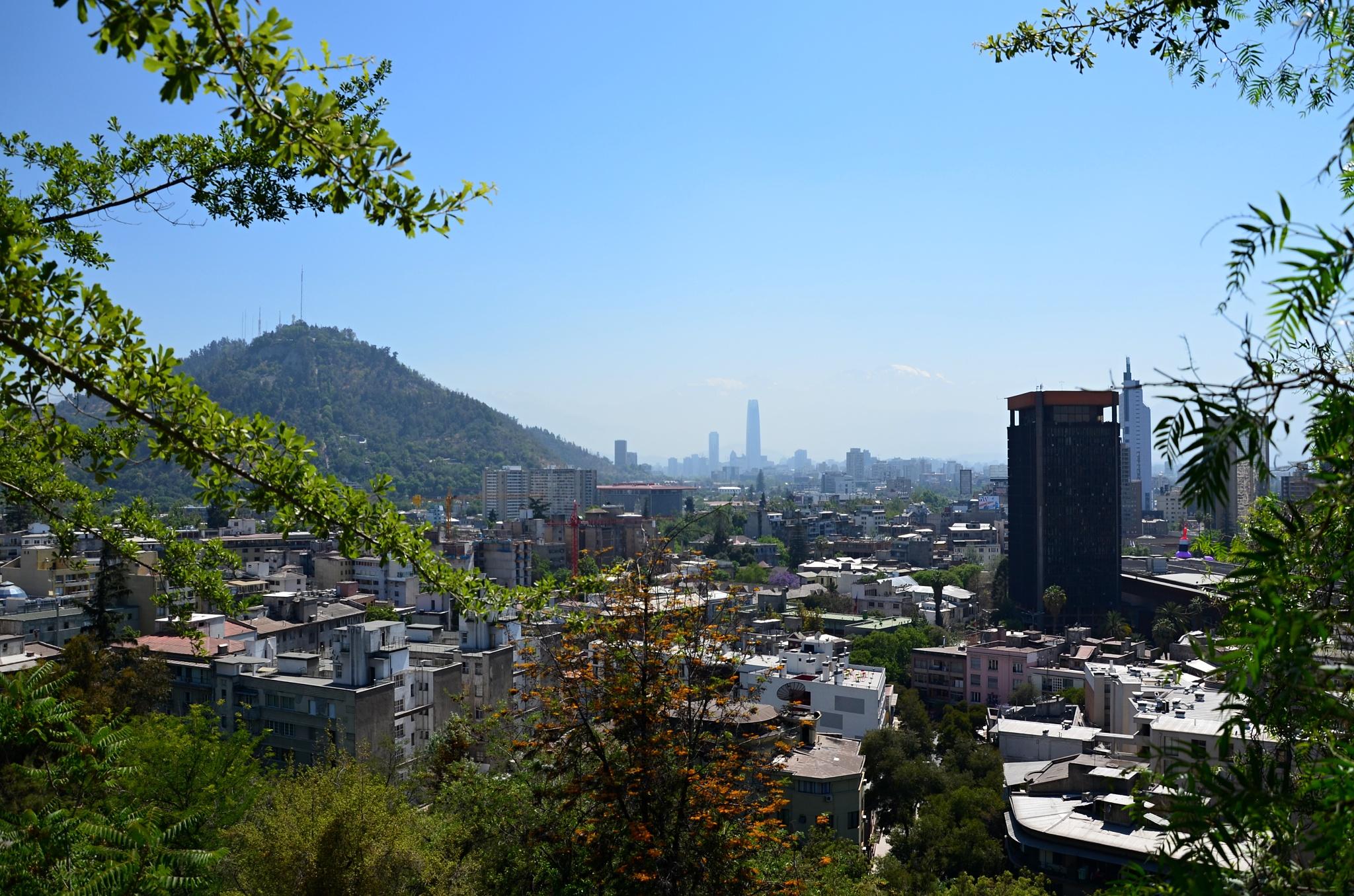 Výhled na Santiago z kopce Santa Lucía